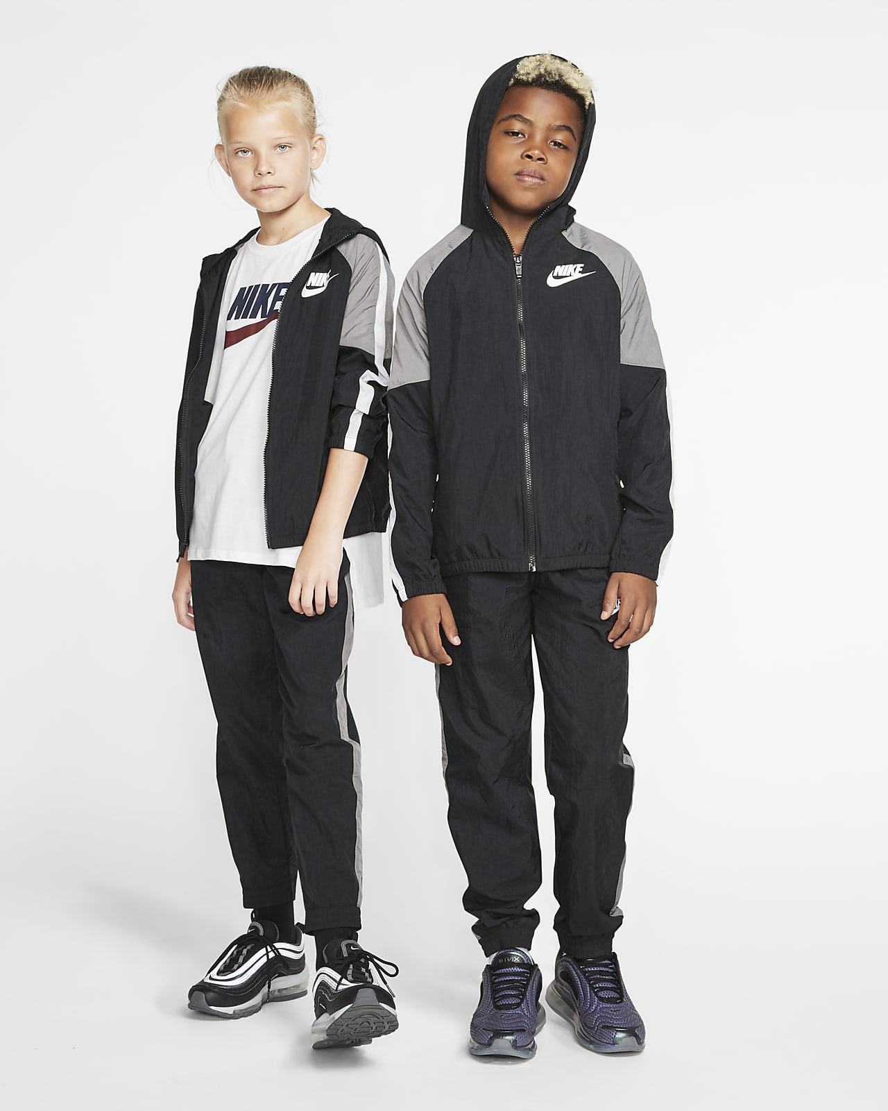 diamante Y equipo Empeorando  Nike Sportswear Older Kids' Woven Tracksuit. Nike GB