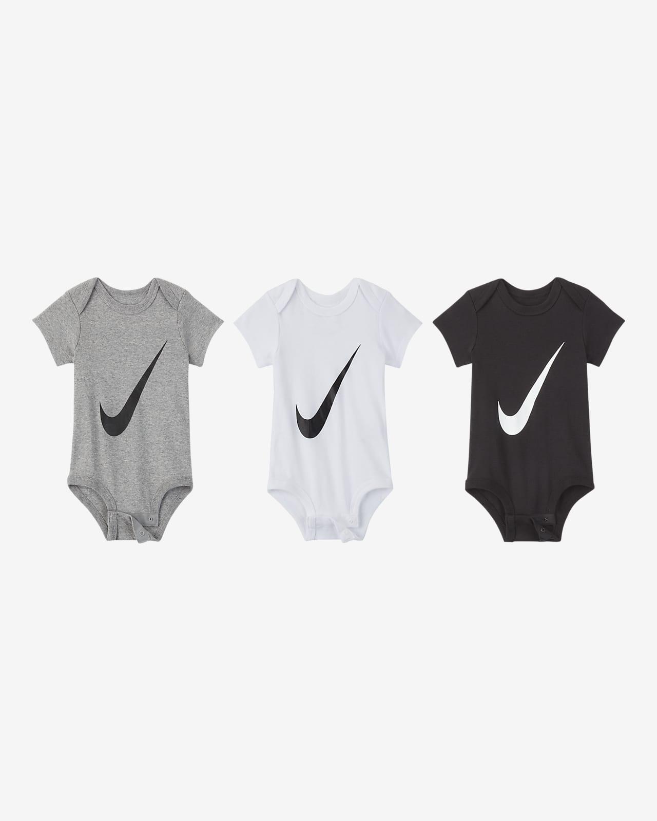 Σετ ολόσωμα κορμάκια Nike για βρέφη (0-6M) (τρία τεμάχια)