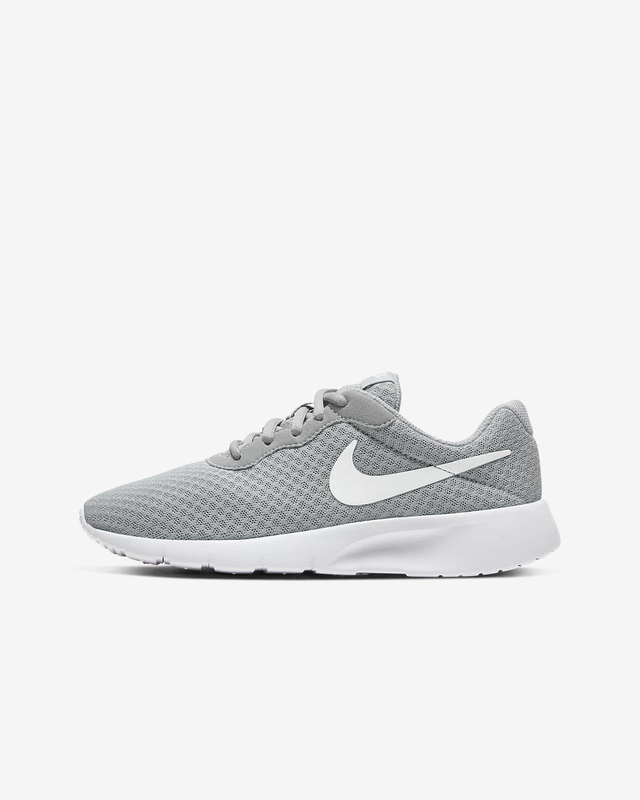 Nike Tanjun Older Kids' Shoe. Nike MA