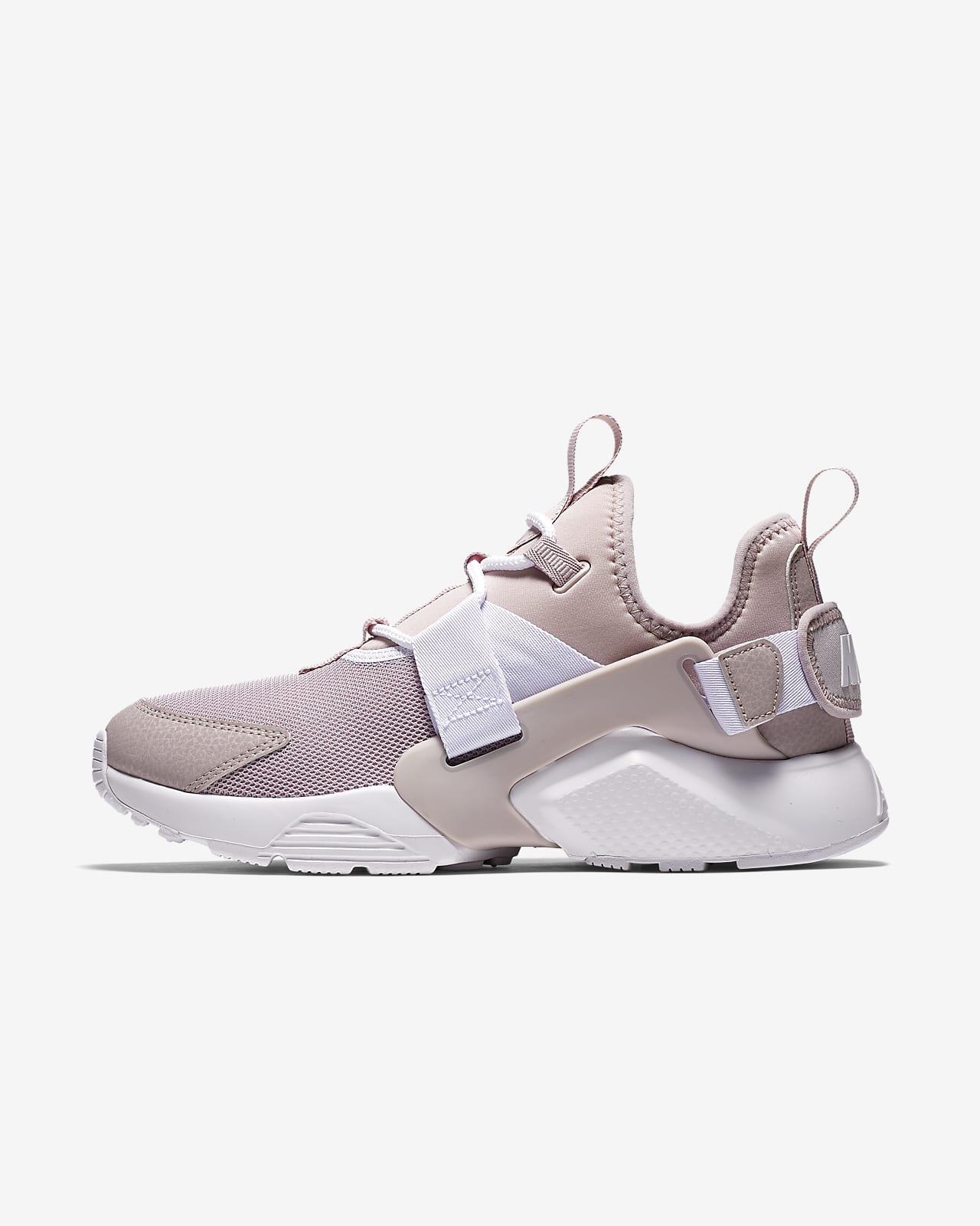Nike Air Huarache City Low Women's Shoe