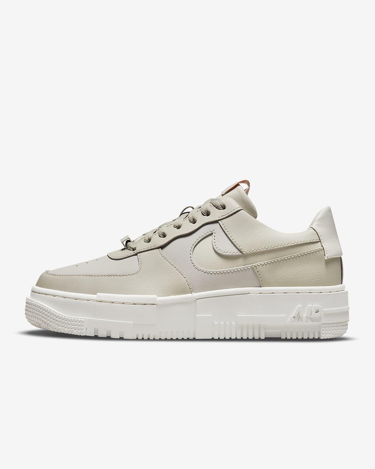 รองเท้าผู้หญิง Nike Air Force 1 Pixel