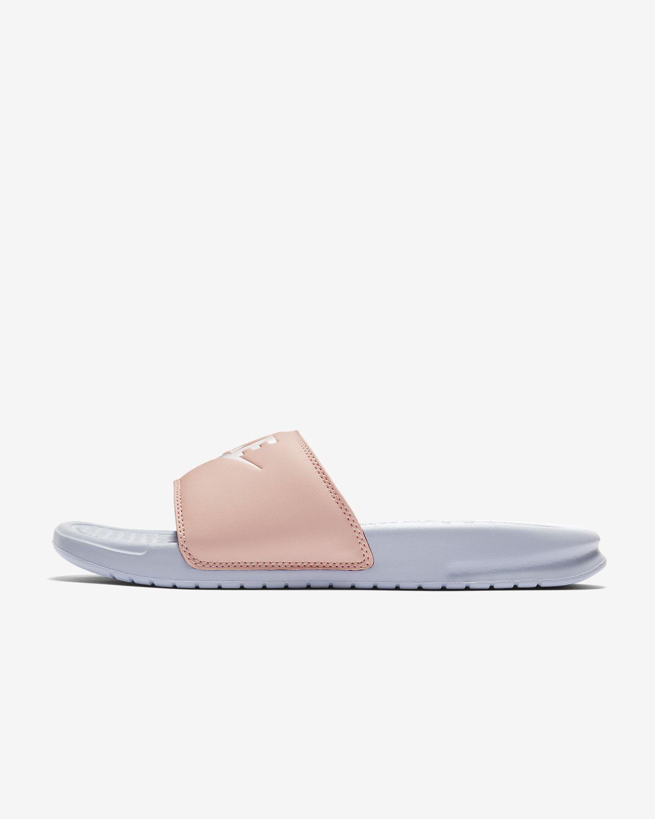 รองเท้าแตะผู้หญิงแบบสวม Nike Benassi