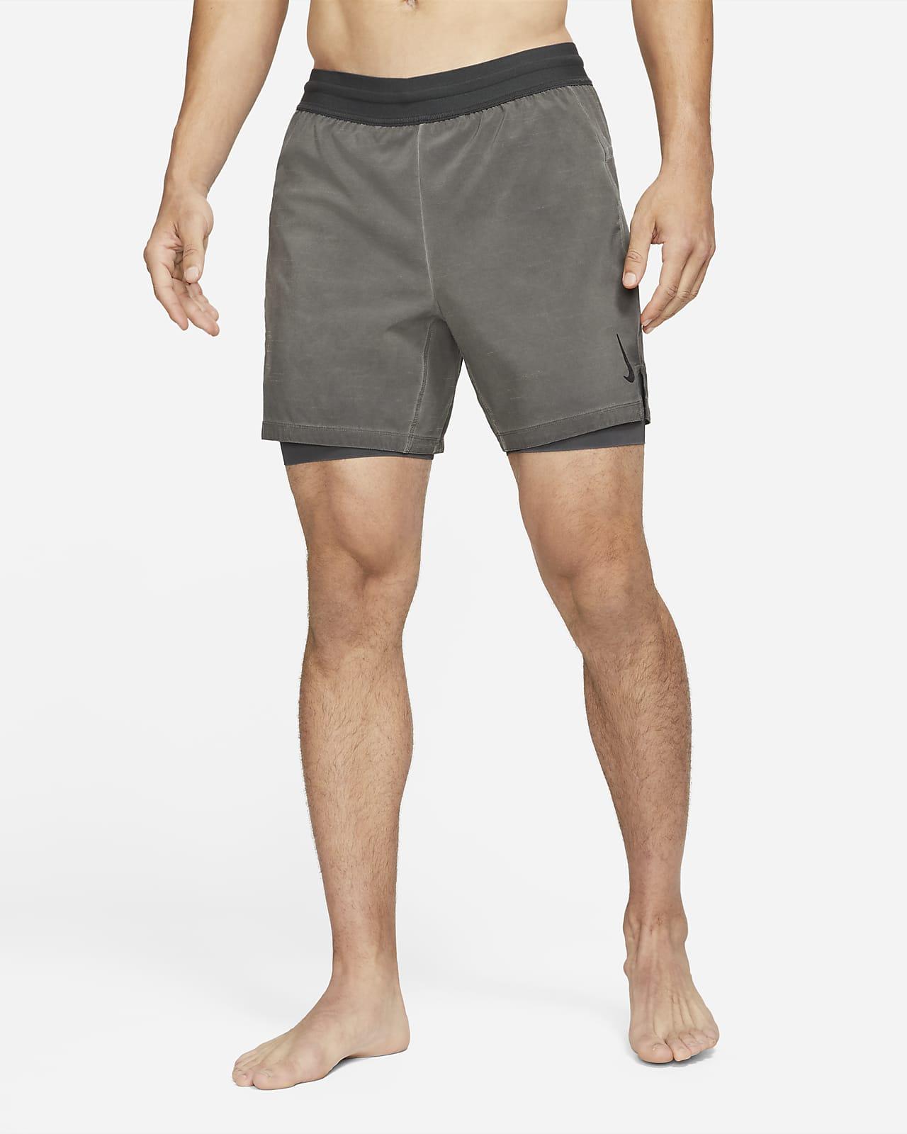 Nike Yoga Dri-FIT 2 az 1-ben férfi rövidnadrág