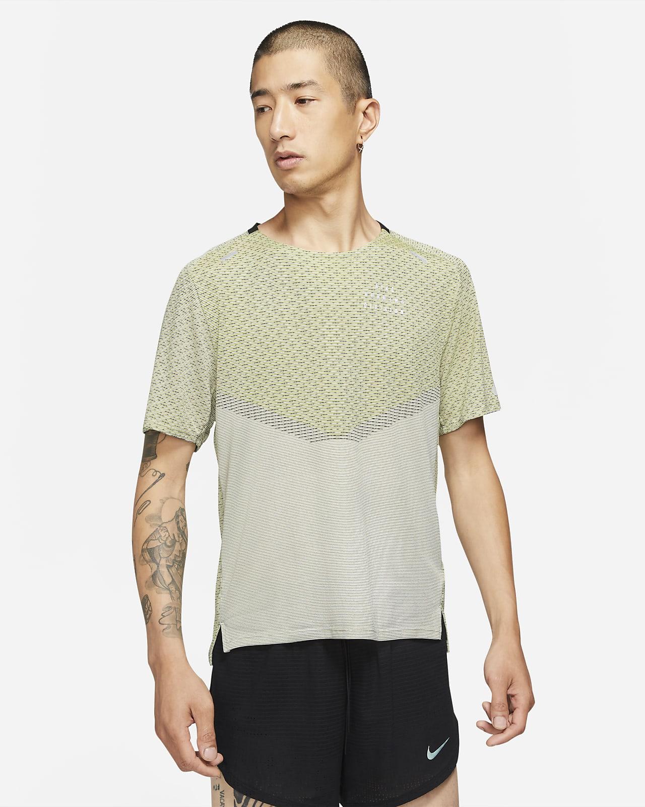เสื้อแขนสั้นผู้ชาย Nike Dri-FIT ADV Run Division Techknit