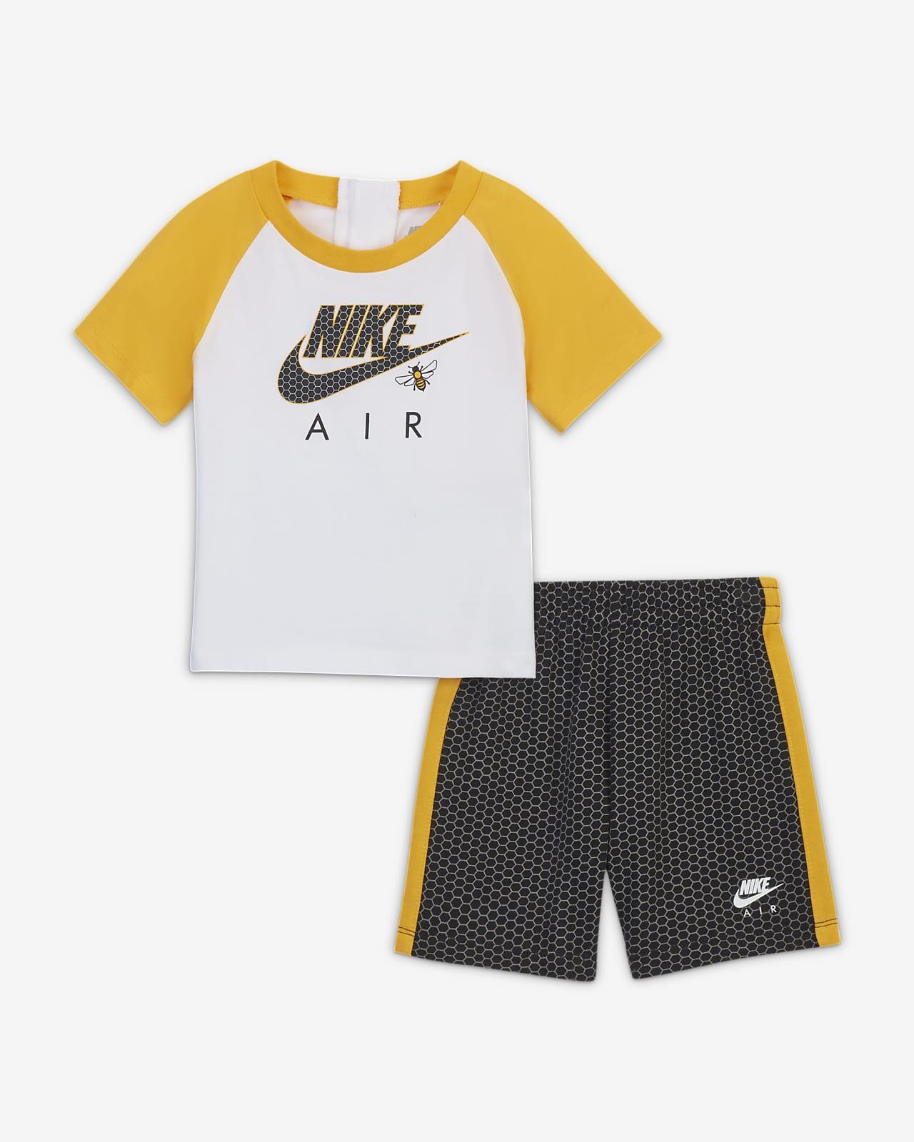Nike Baby (12-24M) T-Shirt and Shorts Set