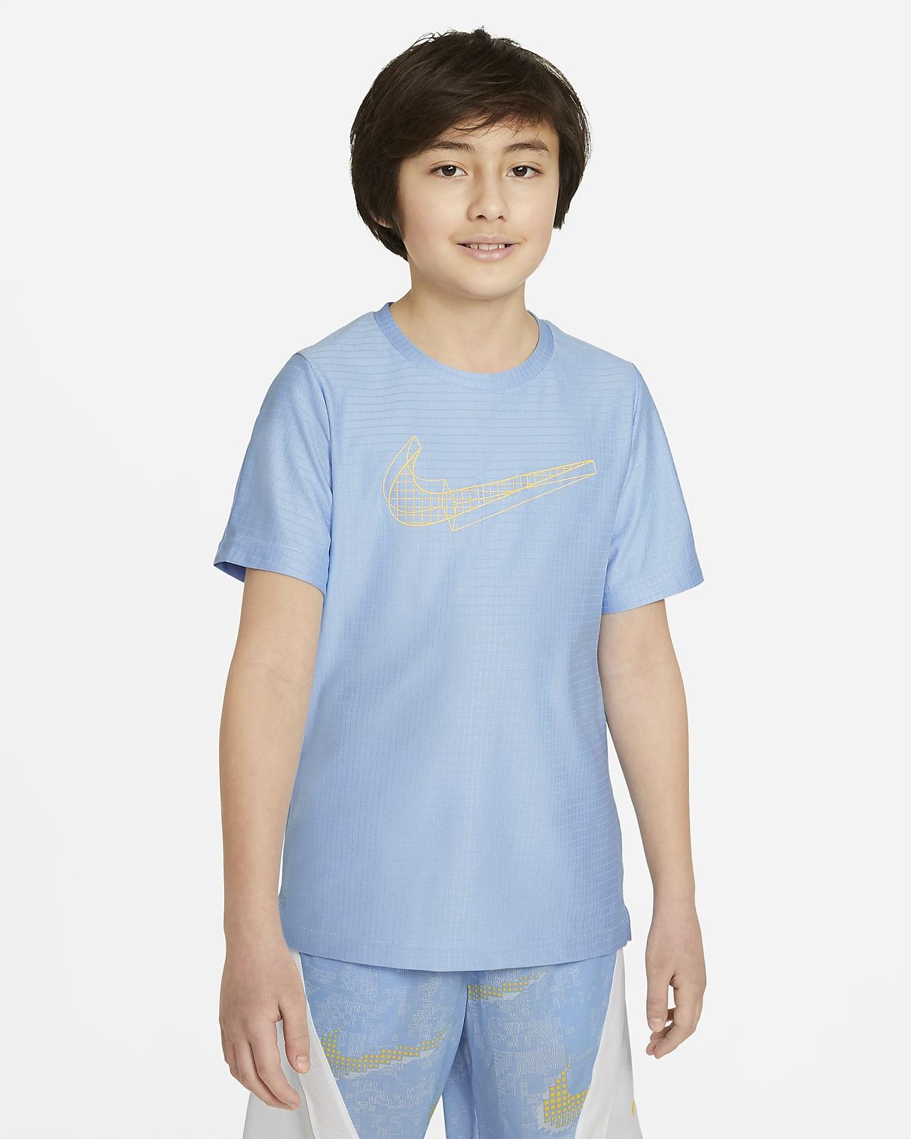 Nike Kısa Kollu Grafikli Genç Çocuk (Erkek) Antrenman Üstü