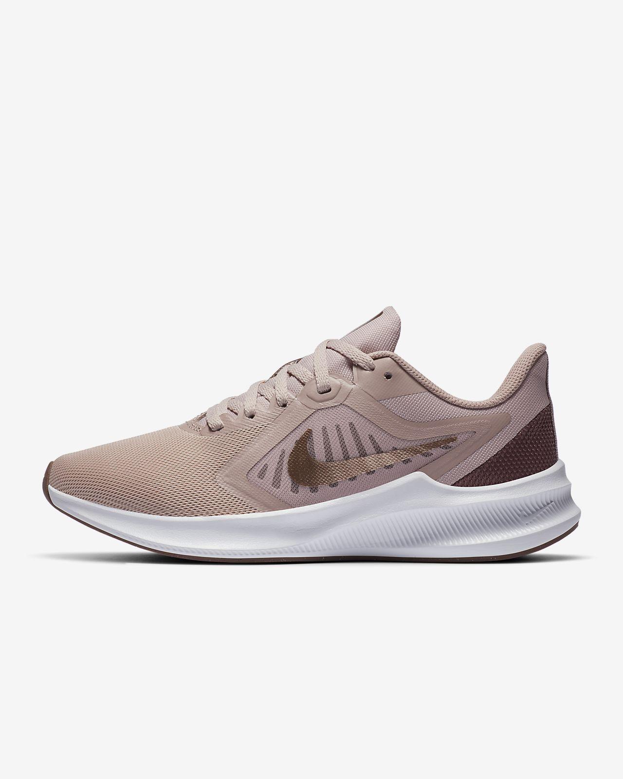 Женские беговые кроссовки Nike Downshifter 10