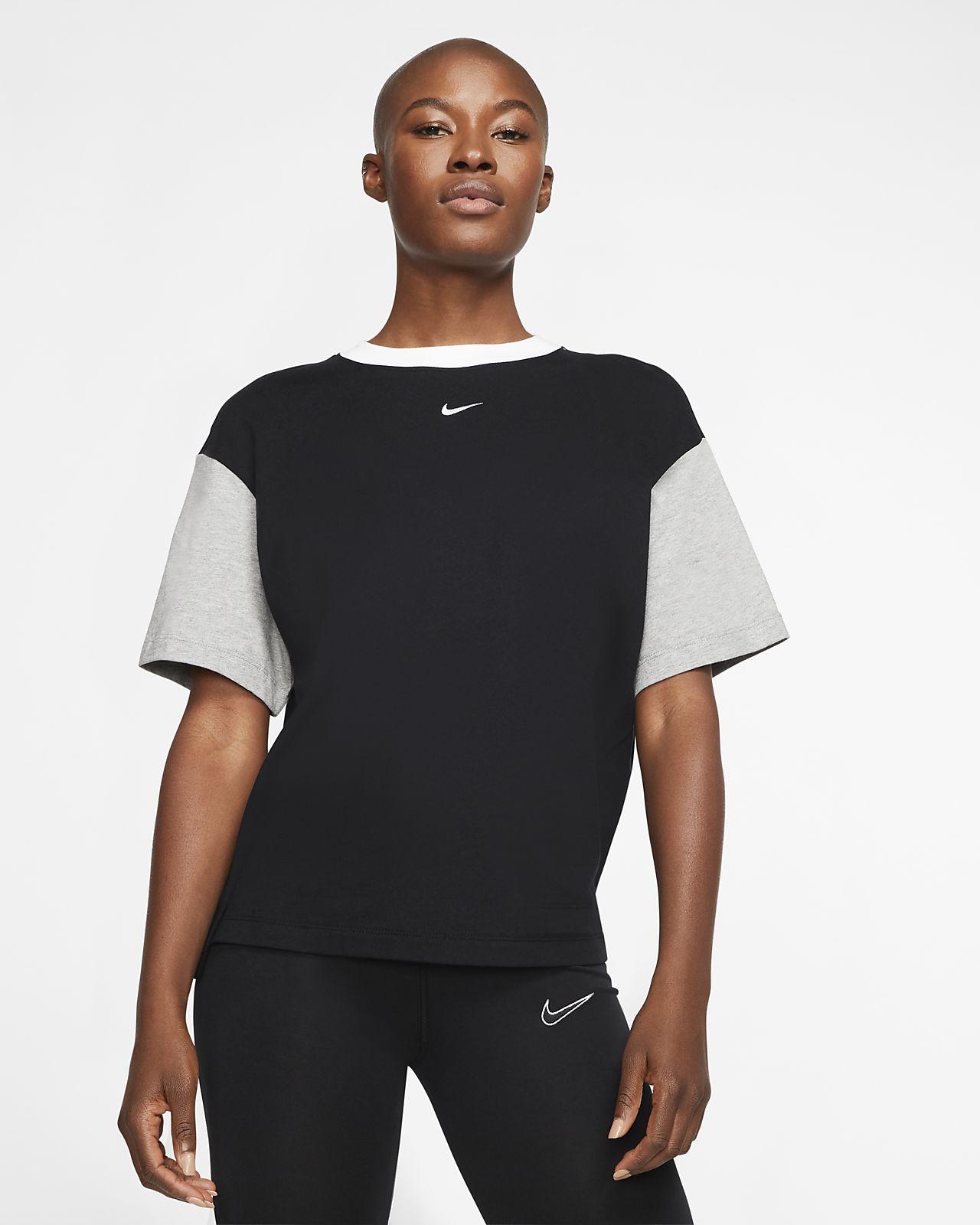 Kortærmet Nike Sportswear Essential top til kvinder