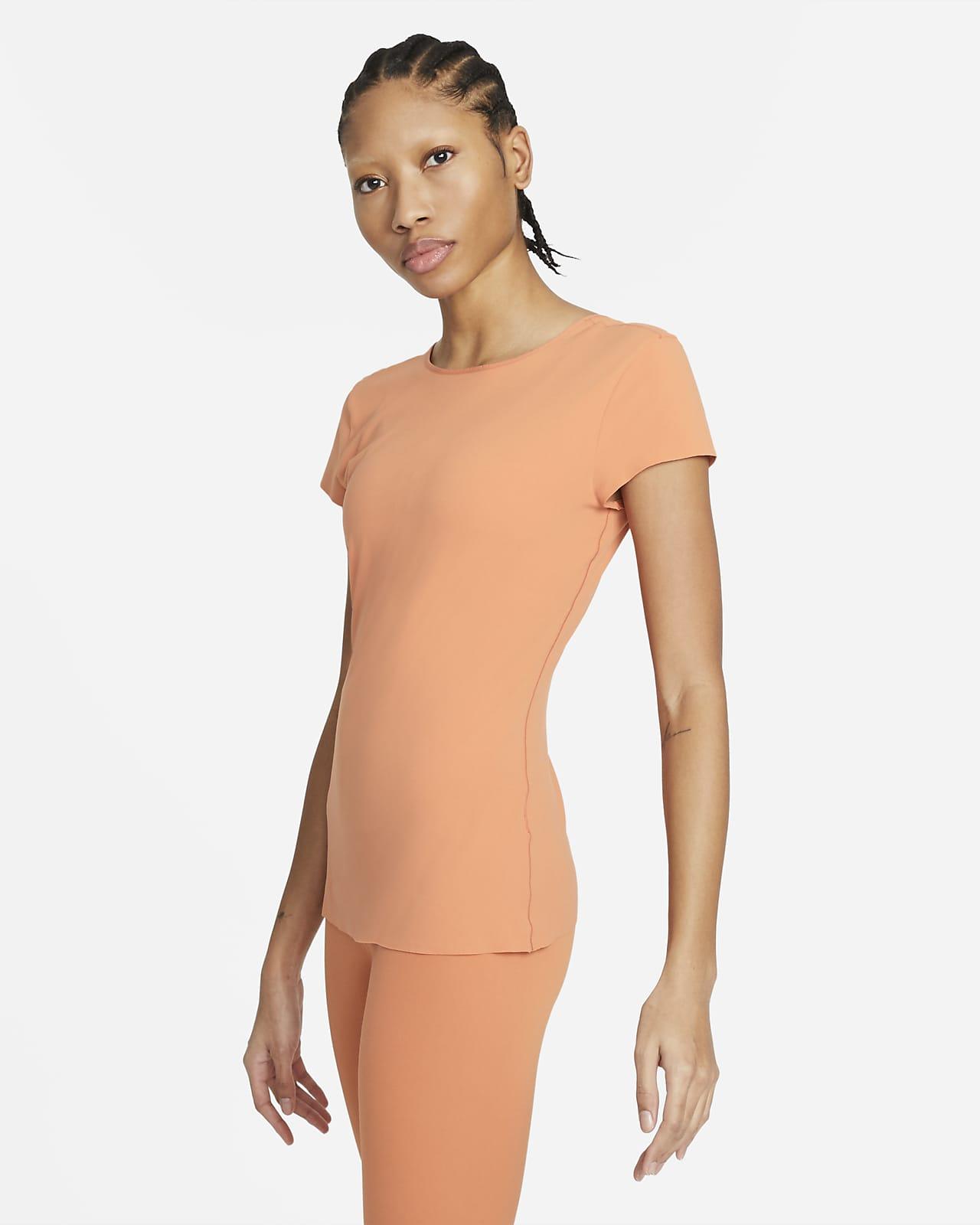 Camiseta de manga corta para mujer Nike Yoga Luxe