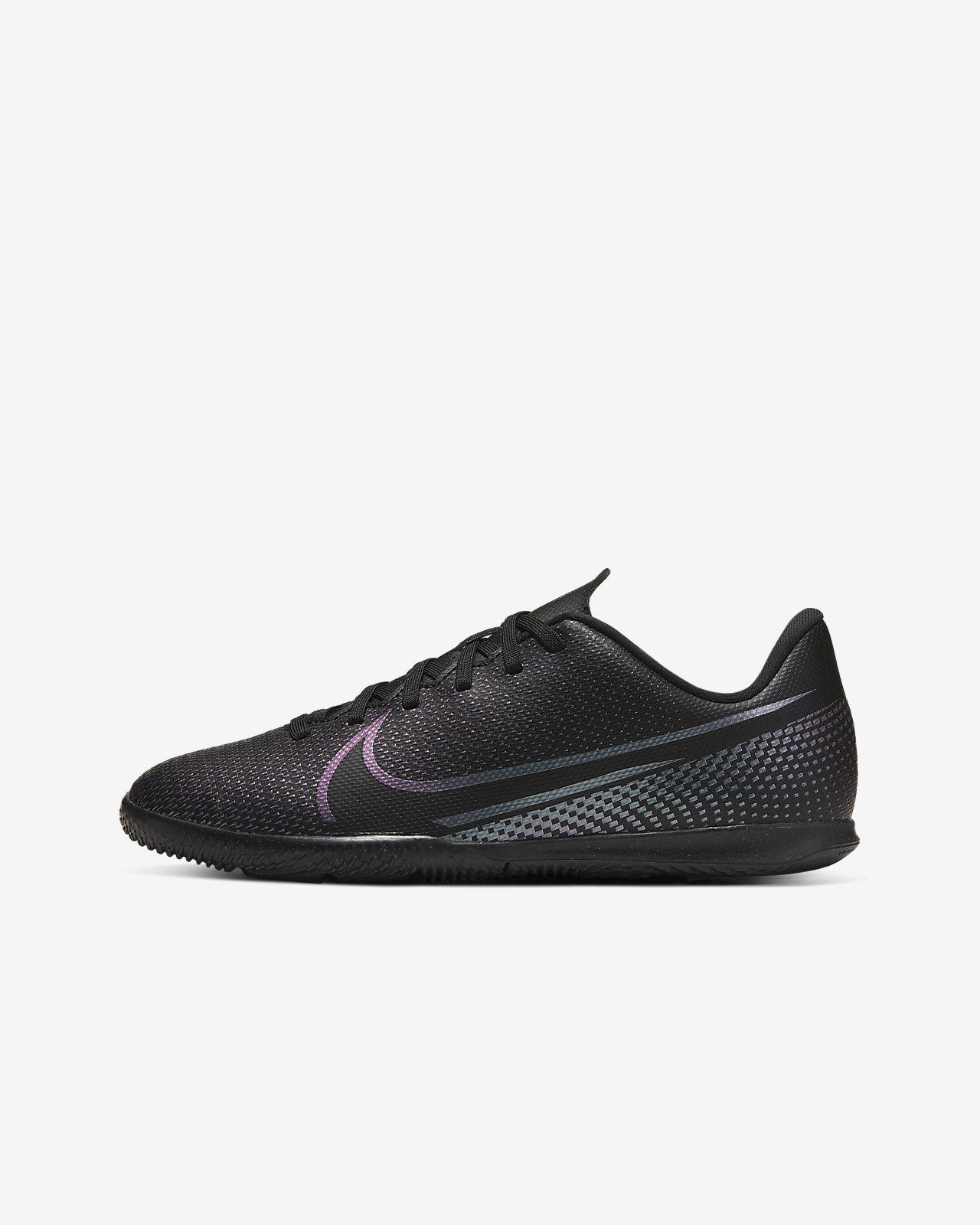 Nike Jr. Mercurial Vapor 13 Club IC Zaalvoetbalschoen voor kleuterskids