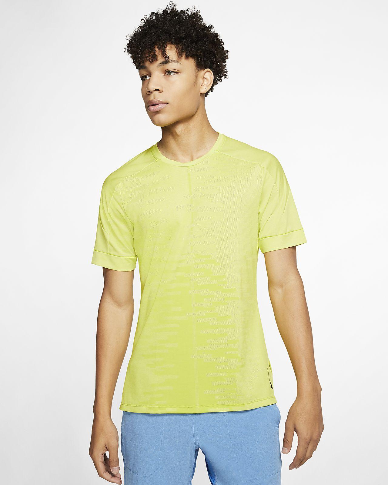Haut à manches courtes Nike Yoga pour Homme