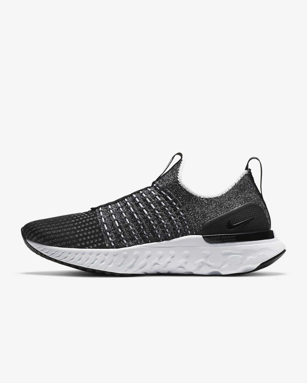 รองเท้าวิ่งผู้หญิง Nike React Phantom Run Flyknit 2