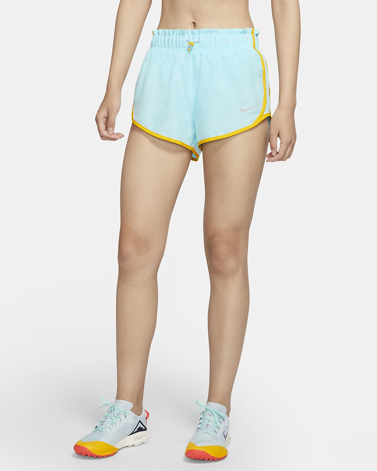กางเกงวิ่งขาสั้นผู้หญิง Nike Icon Clash Tempo
