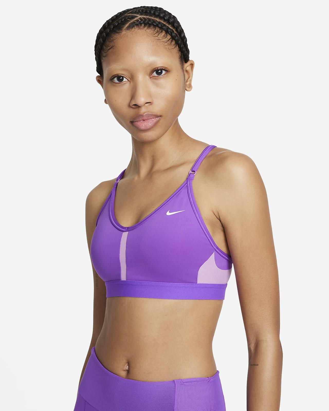 Спортивное бра с вкладышем, V-образной горловиной и легкой поддержкой Nike Dri-FIT Indy