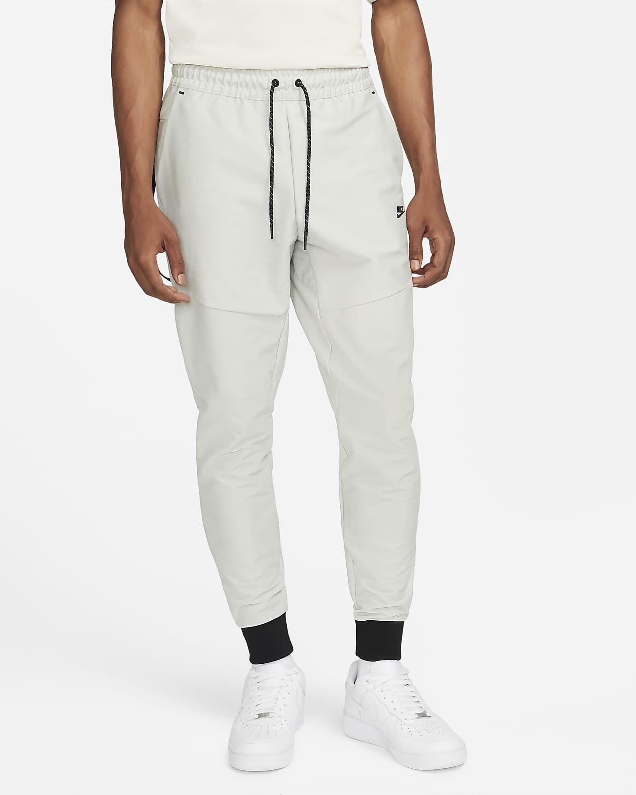 Męskie spodnie dresowe bez podszewki Nike Sportswear Dri-FIT Tech Pack