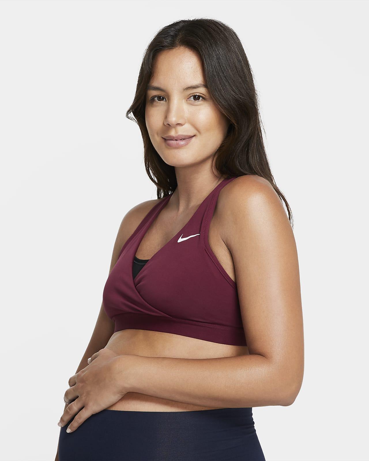 Спортивное бра со средней поддержкой Nike (M) Swoosh (для мам)