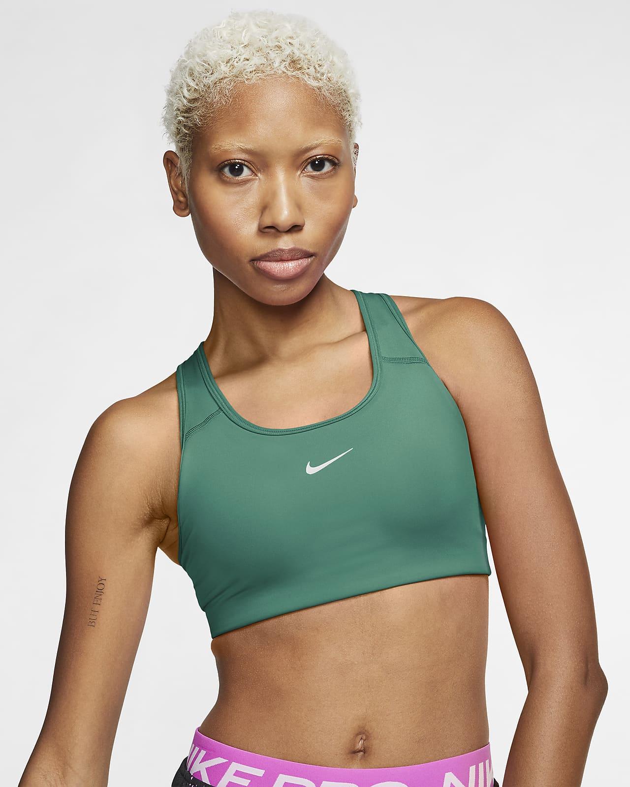สปอร์ตบราผู้หญิงซัพพอร์ตระดับกลางมีแผ่นฟองน้ำ 1 ชิ้น Nike Swoosh