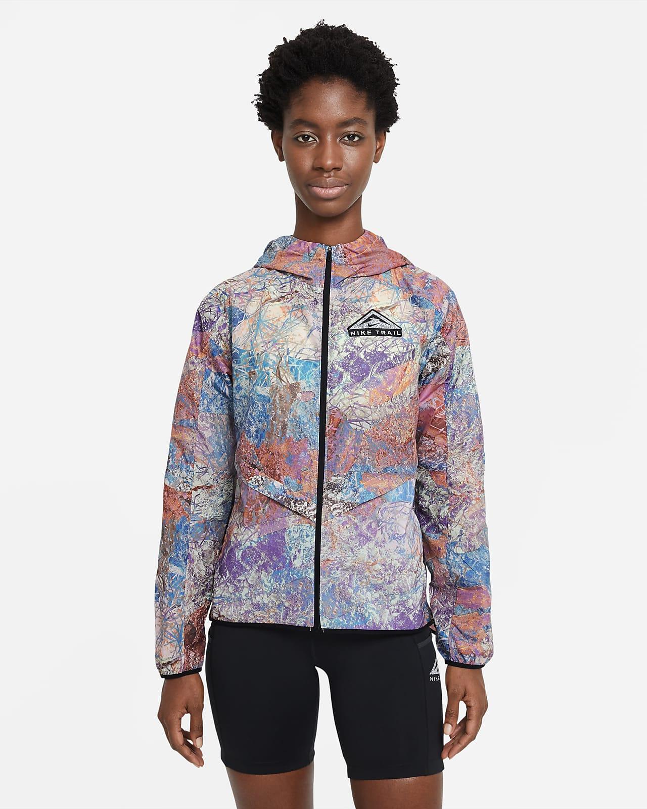 Nike Windrunner-sammenfoldelig trailløbejakke til kvinder