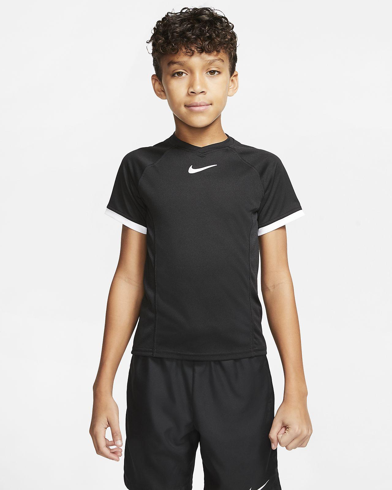 Chlapecké tenisové tričko NikeCourt Dri-FIT s krátkým rukávem