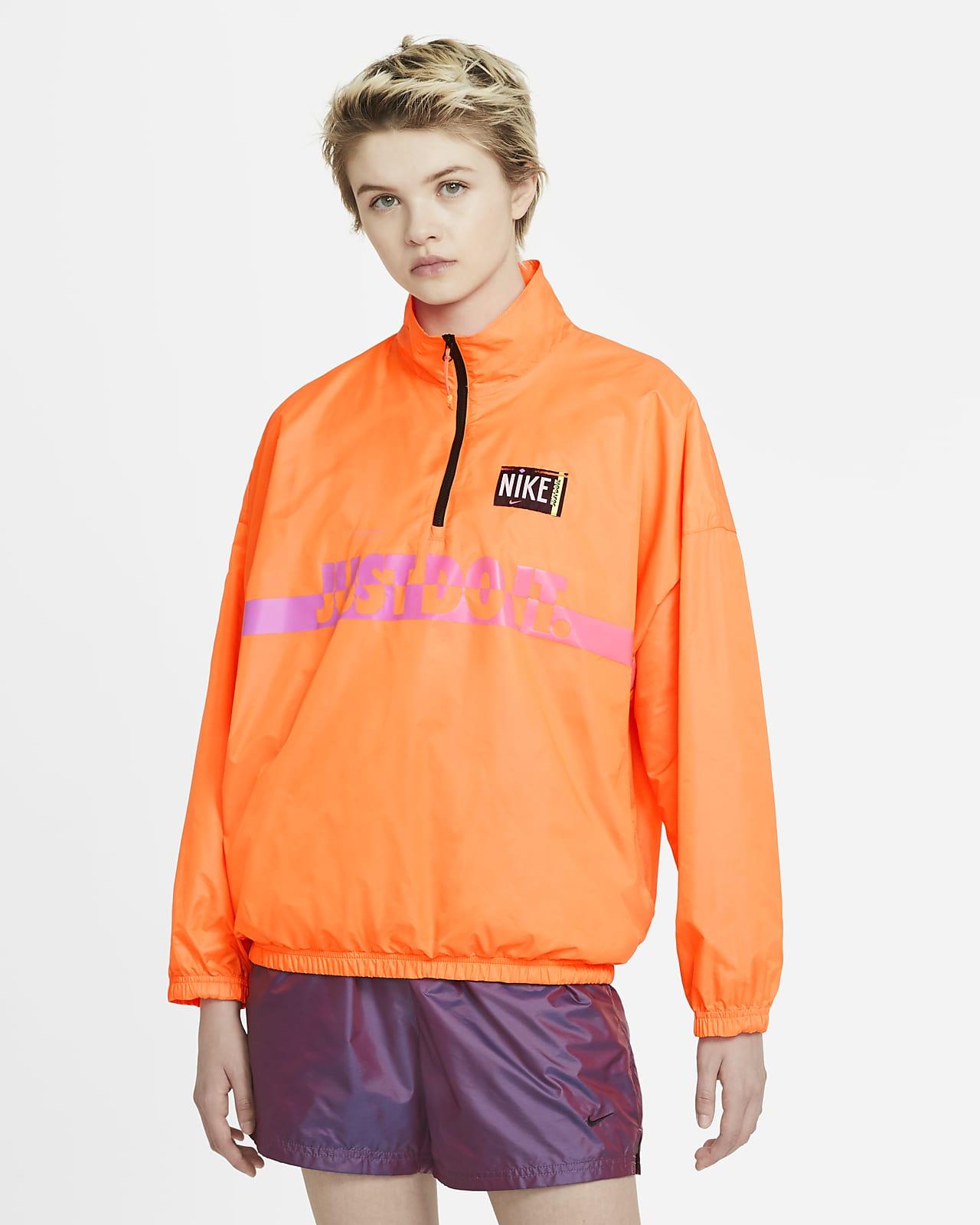 Vævet Nike Sportswear-pulloverjakke til kvinder