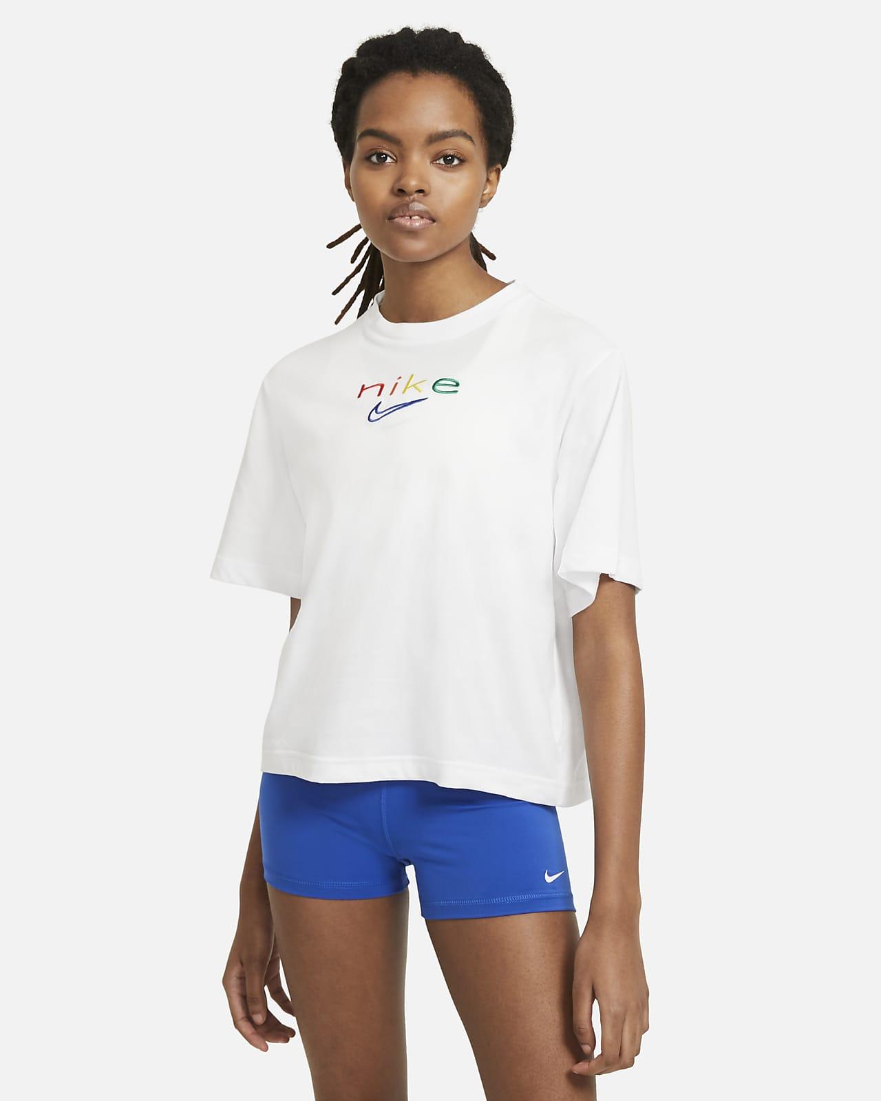 Playera de entrenamiento recta de arcoíris para mujer Nike Dri-FIT