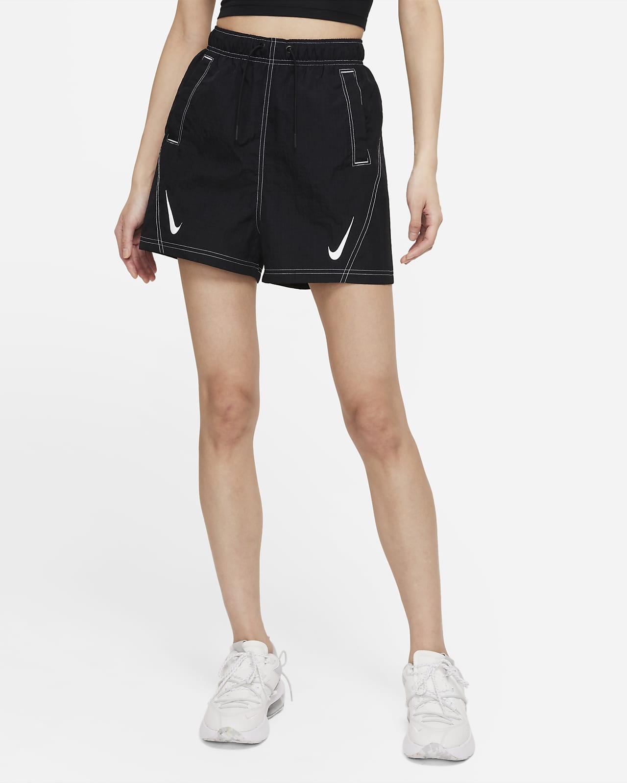 กางเกงขาสั้นผู้หญิง Nike Sportswear Swoosh