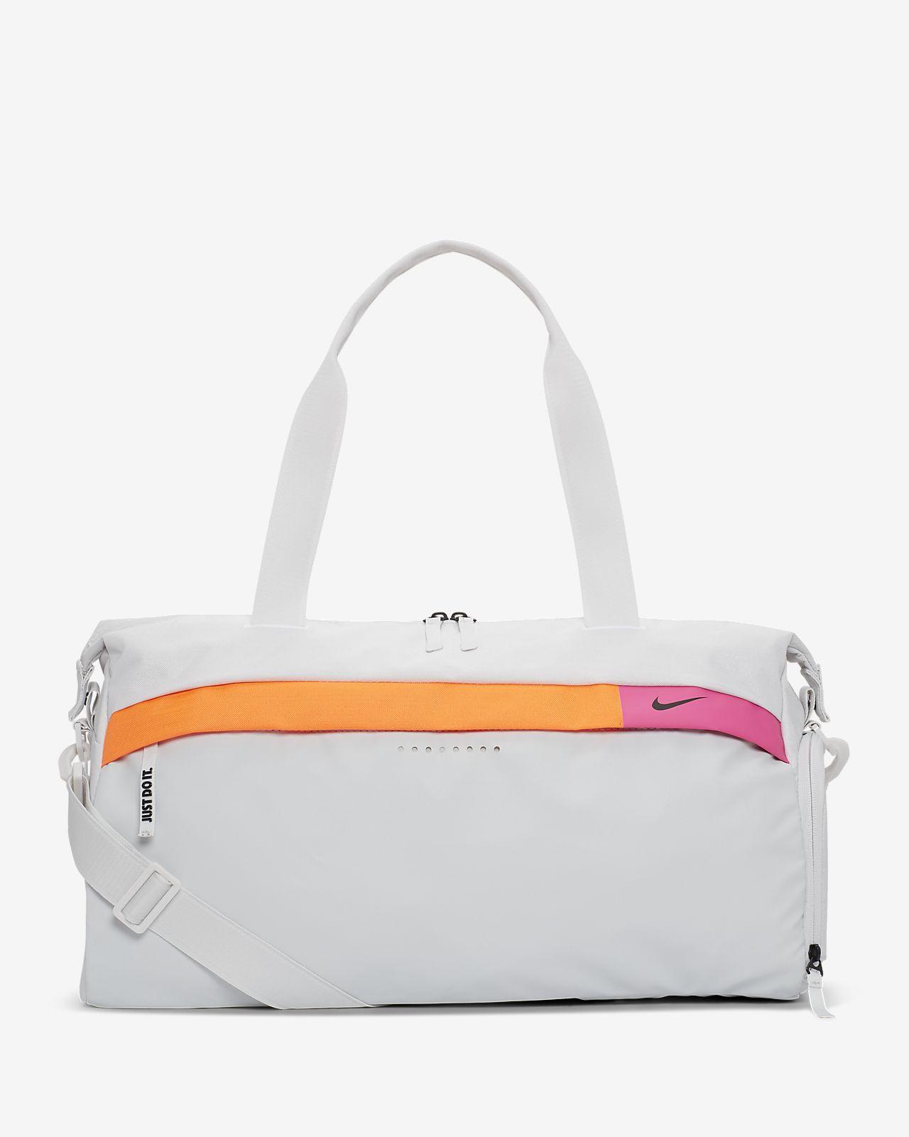Nike Radiate treningsduffelbag til dame med grafikk