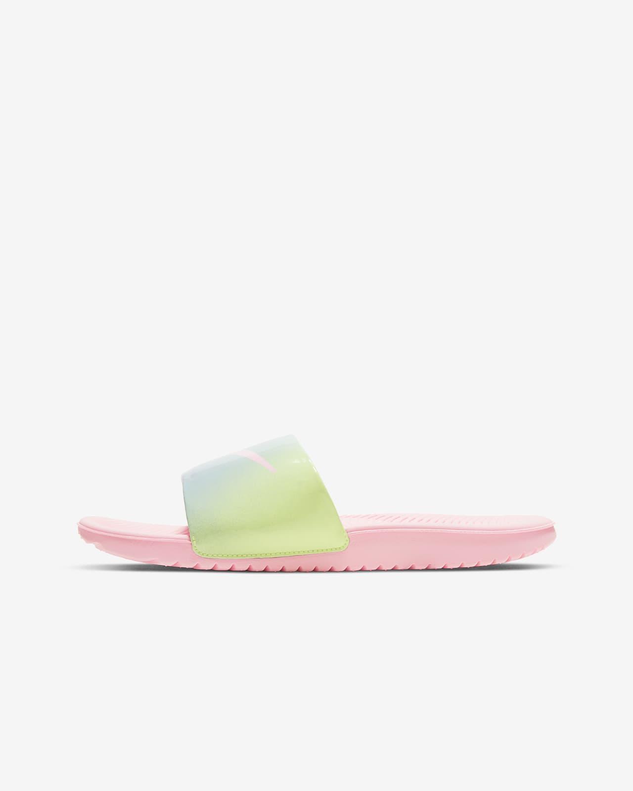 Pantofle Nike Kawa SE2 pro velké / malé děti