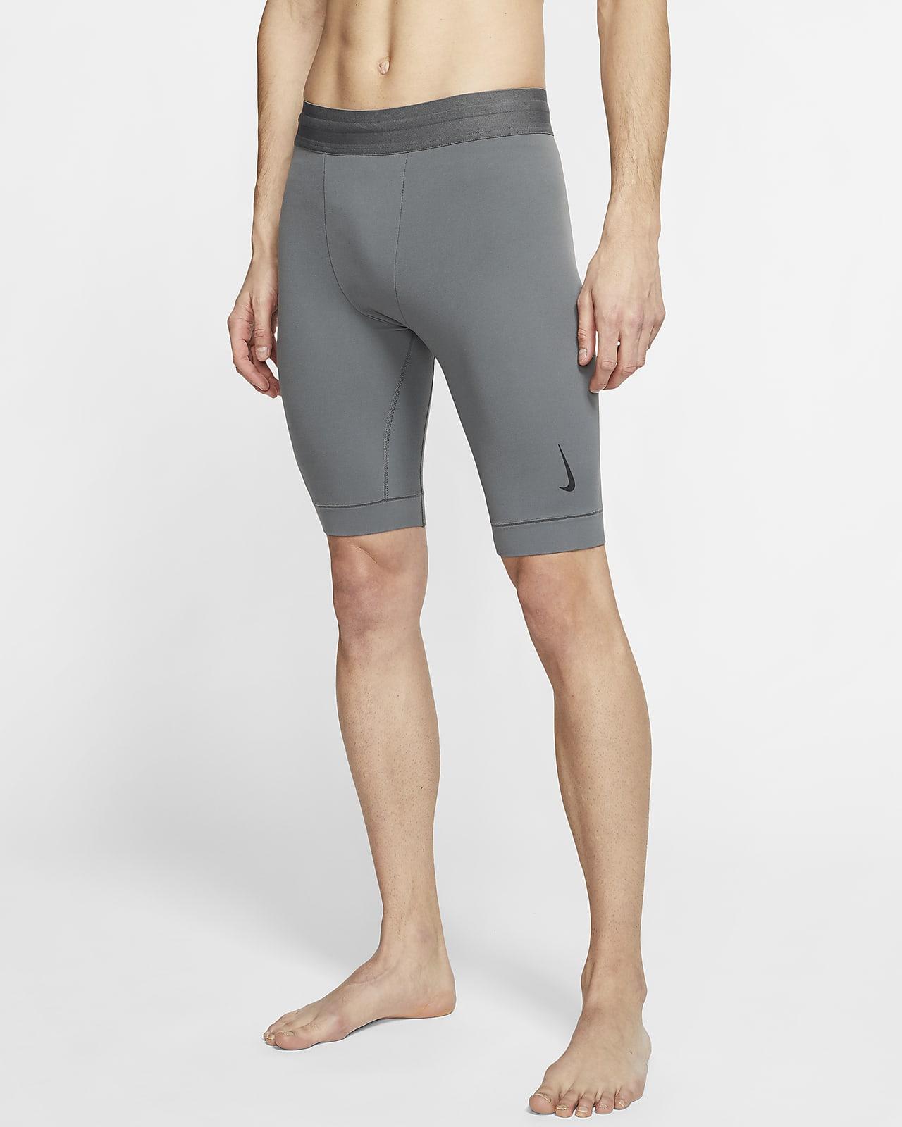 Short Infinalon Nike Yoga Dri-FIT pour Homme