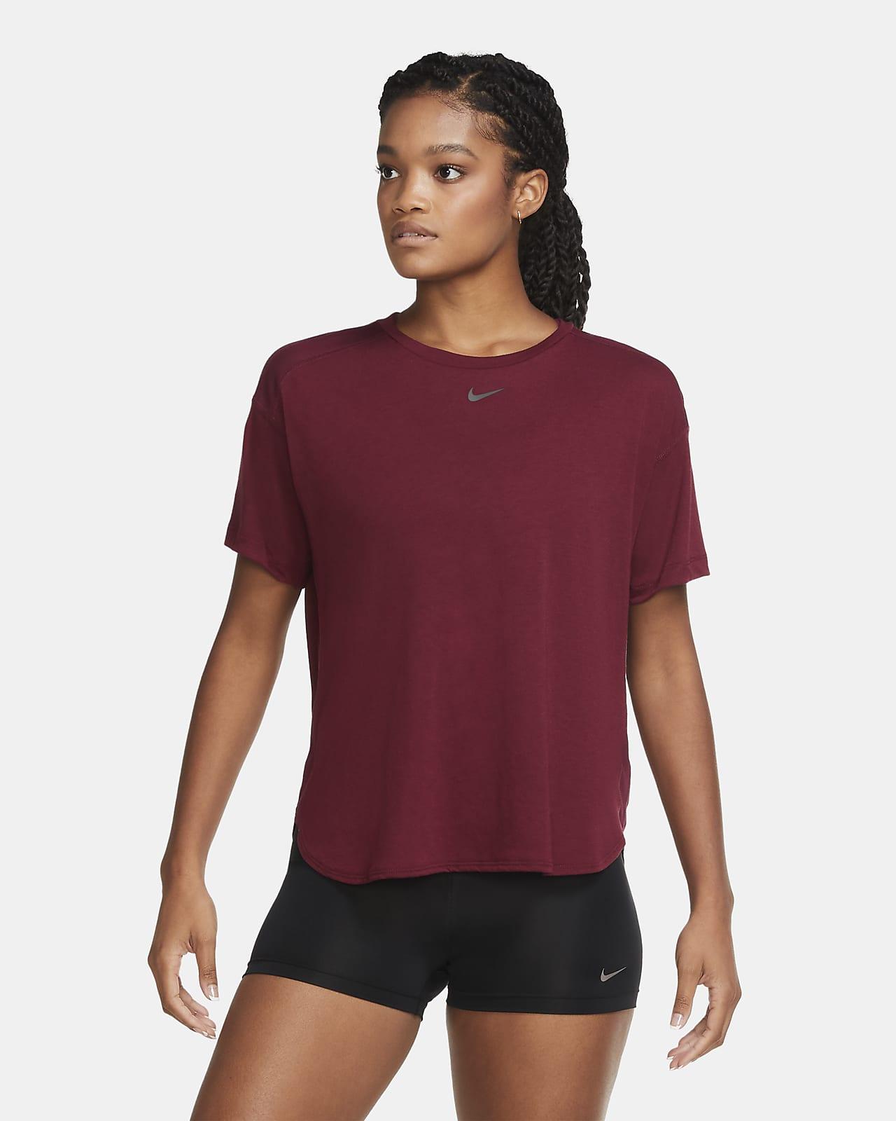 Nike Pro AeroAdapt kortermet overdel til dame