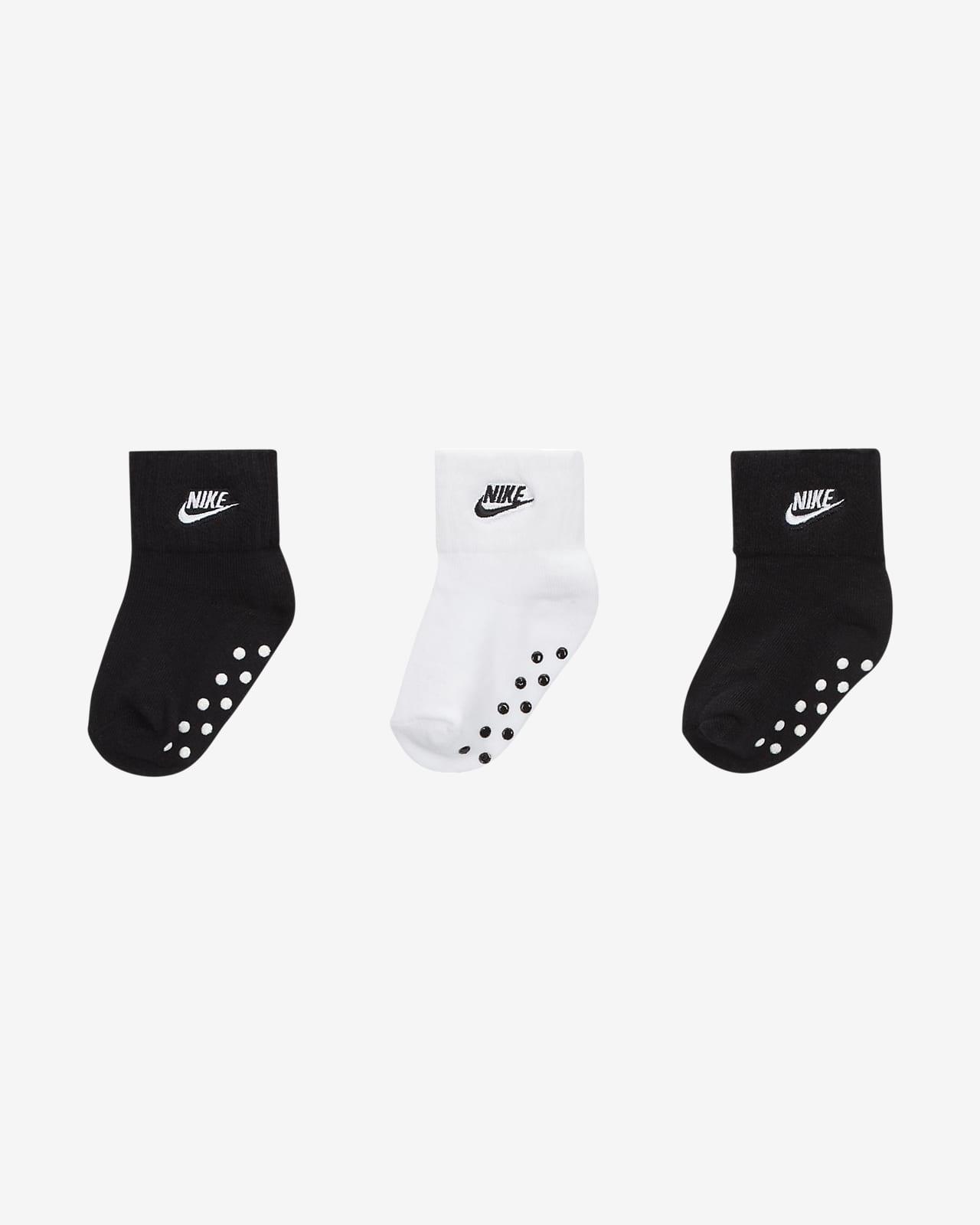 Calcetines hasta el tobillo con agarre para bebé Nike (3 paquetes)