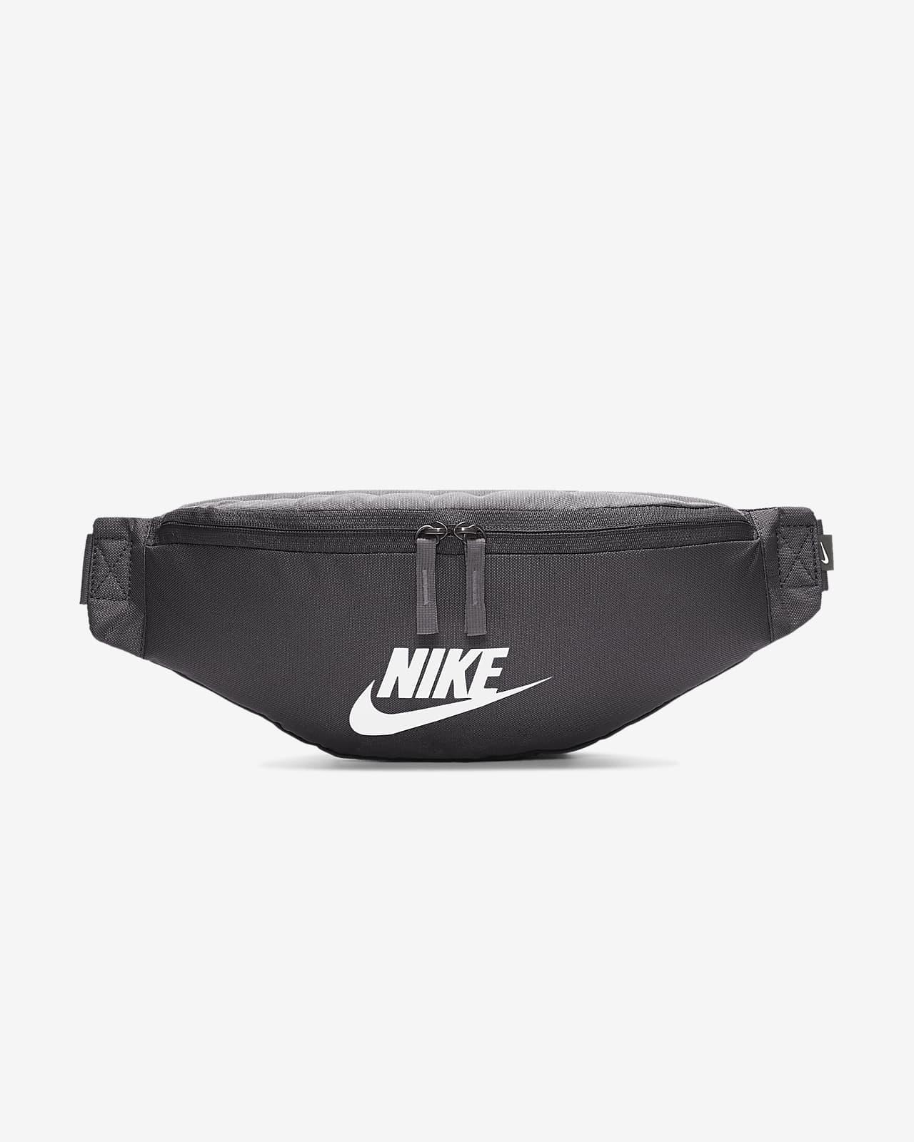 Nike Sportswear Heritage Hip Pack