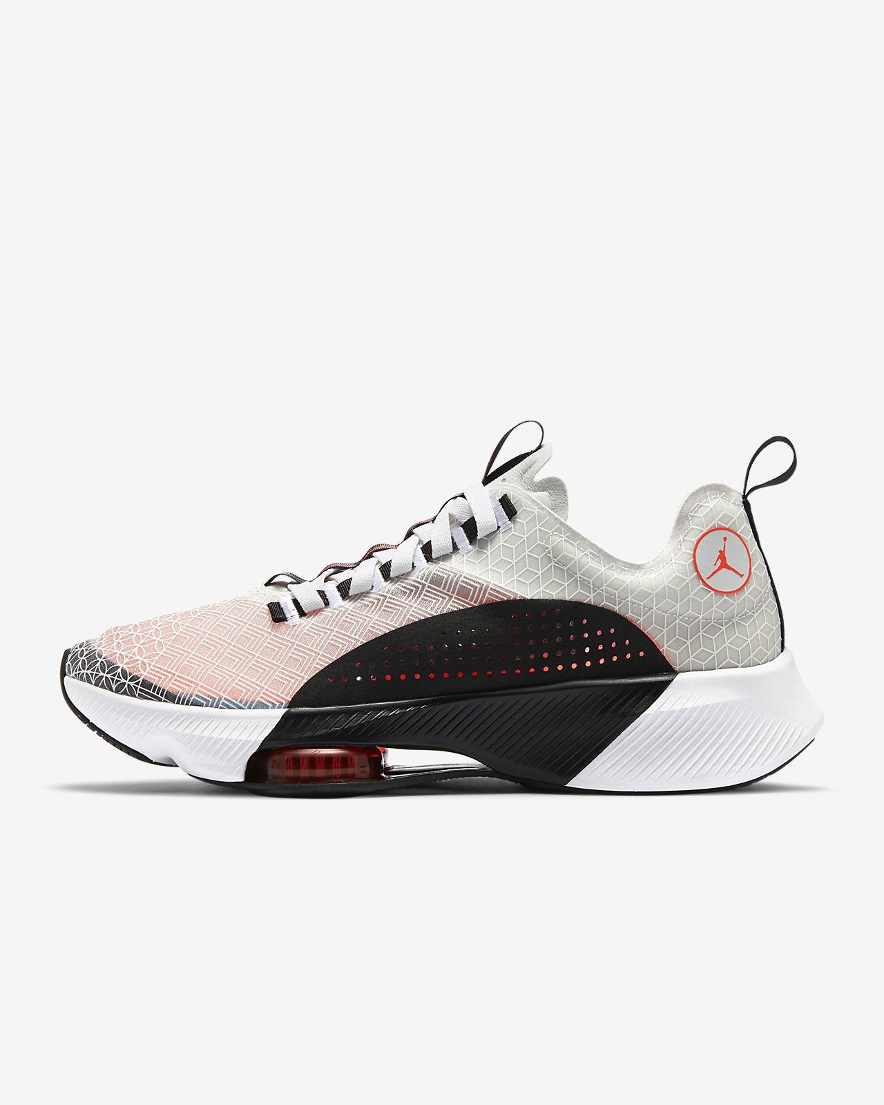 รองเท้าวิ่ง Jordan Air Zoom Renegade