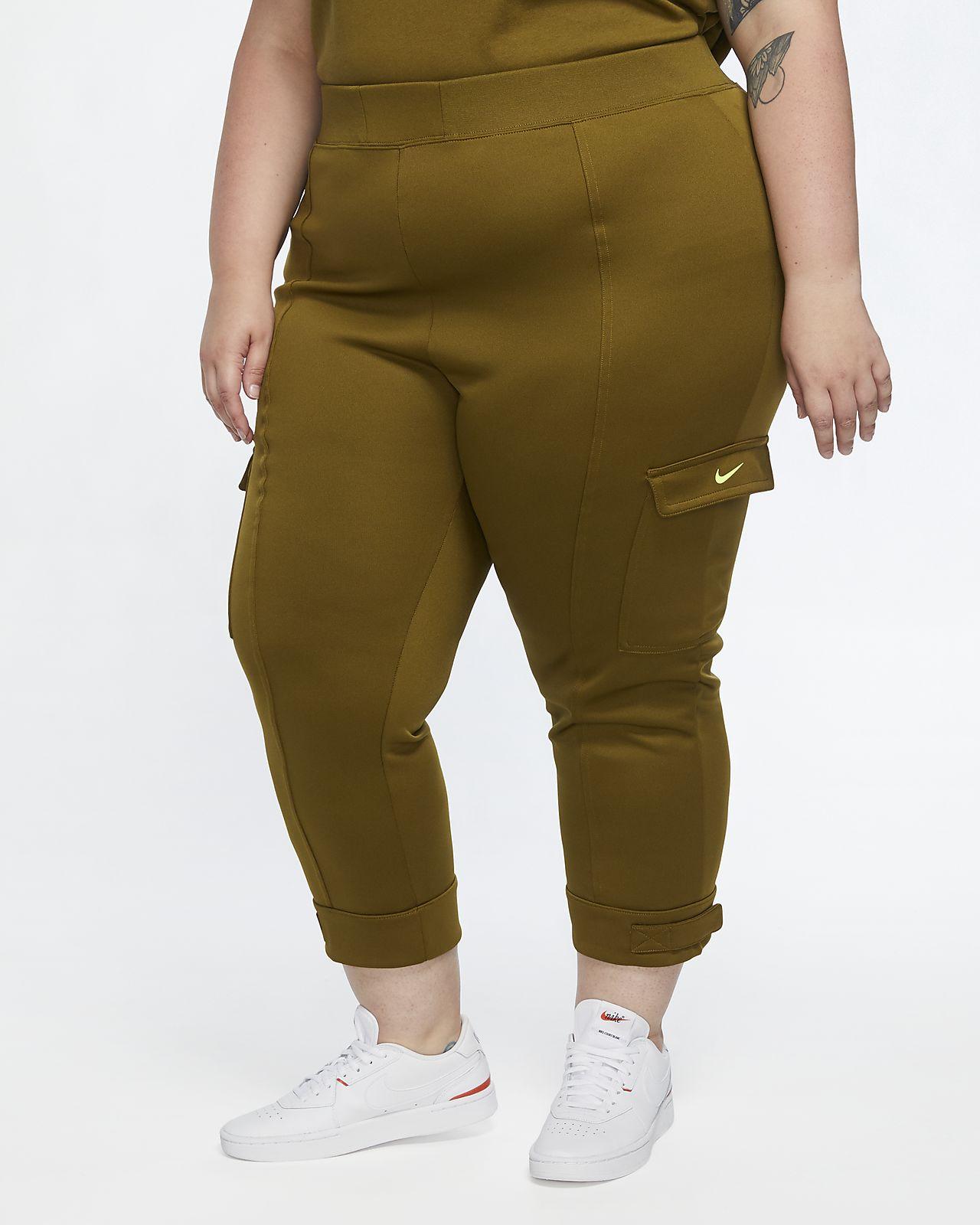 Nike Sportswear Swoosh polystrikket bukse til dame (Plus Size)