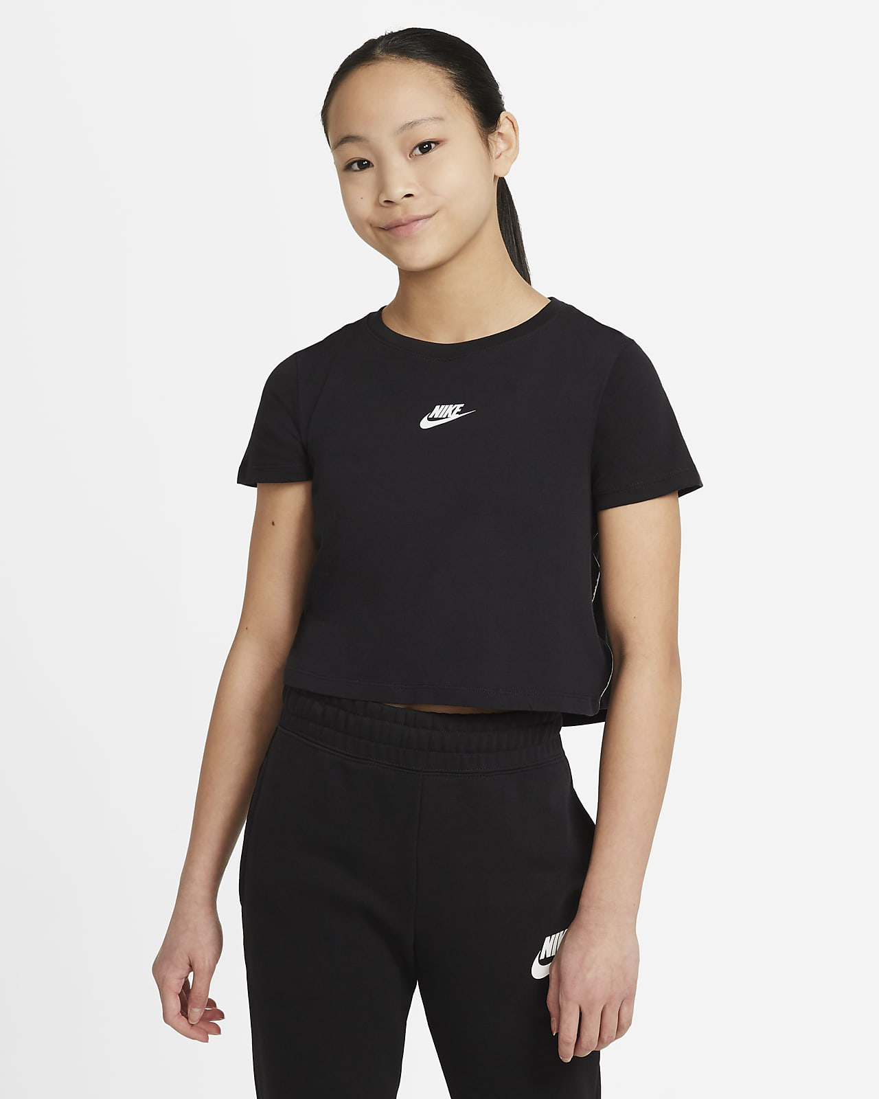 Nike Sportswear Older Kids' (Girls') Crop T-Shirt