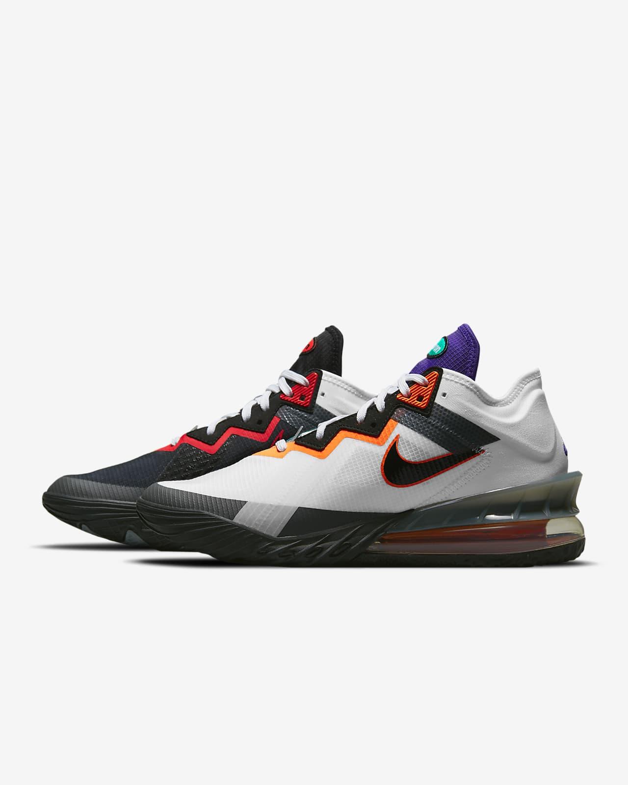 LeBron 18 低筒籃球鞋