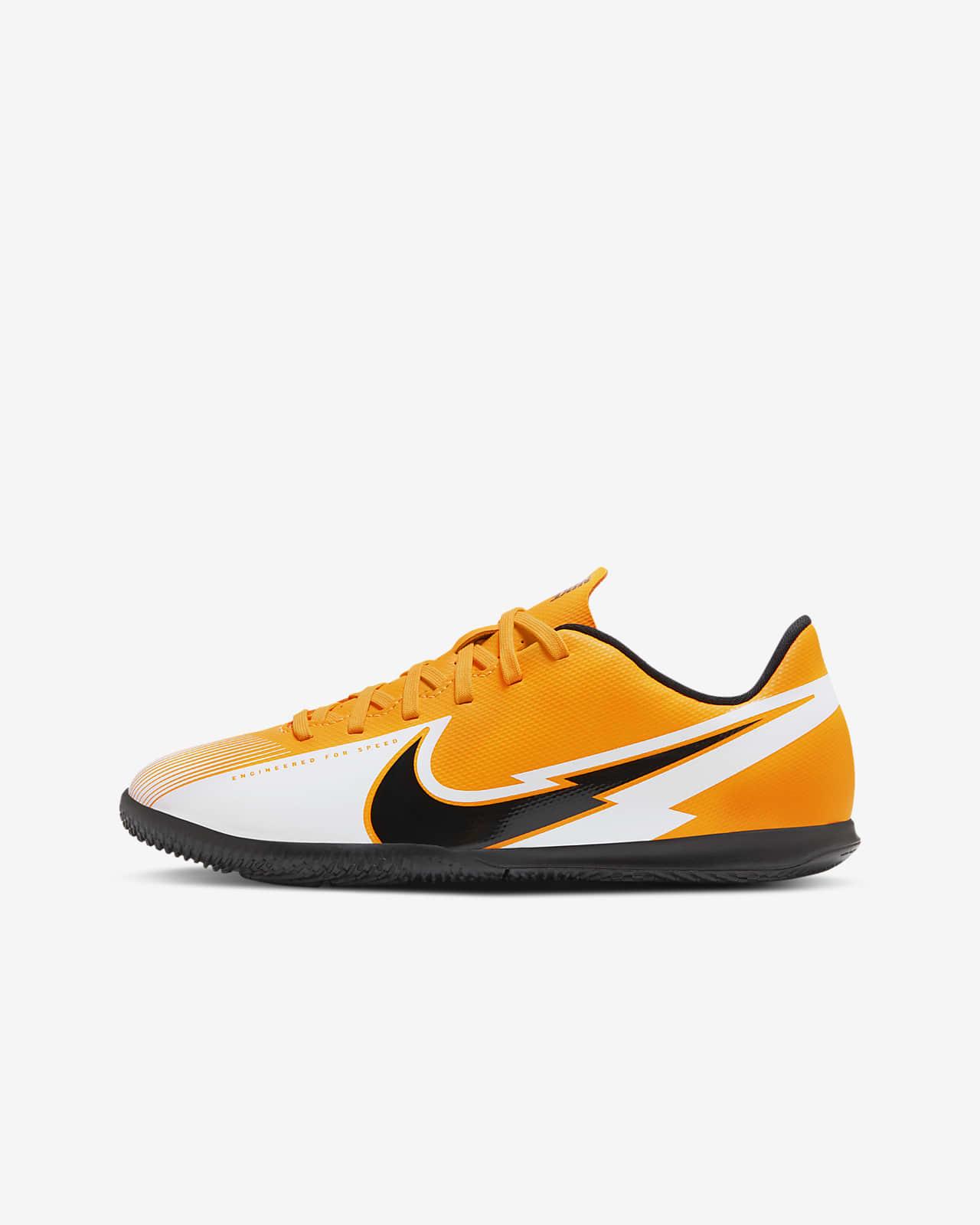 Nike Jr. Mercurial Vapor 13 Club IC Younger/Older Kids' Indoor/Court Football Shoe