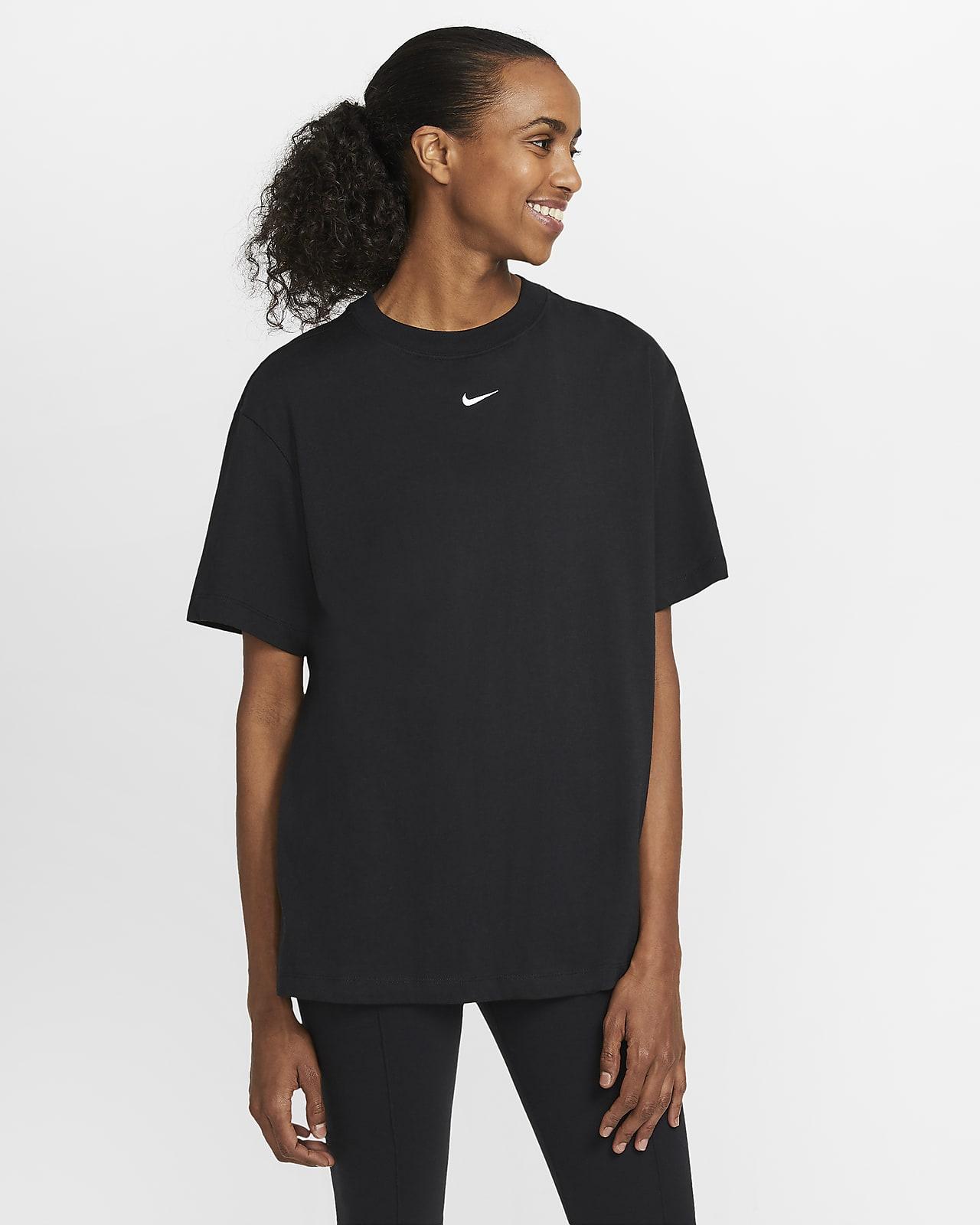 เสื้อผู้หญิง Nike Sportswear Essential