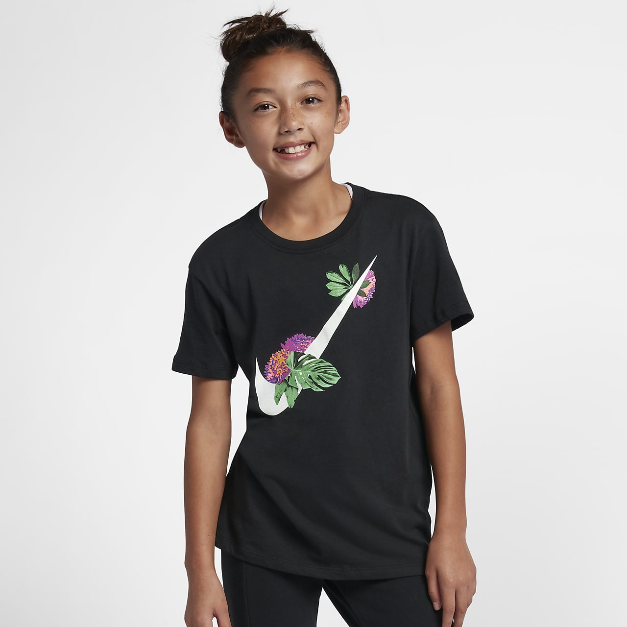 Nike Sportswear Older Kids' (Girls') Swoosh T-Shirt