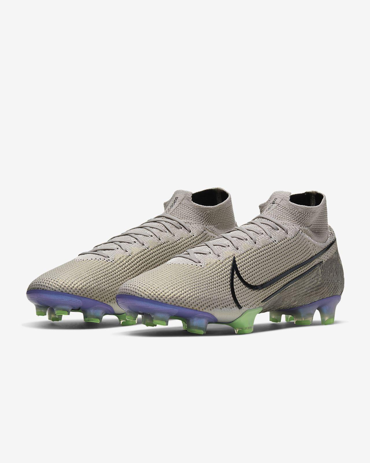 Mercurial Football Boots. Nike CA