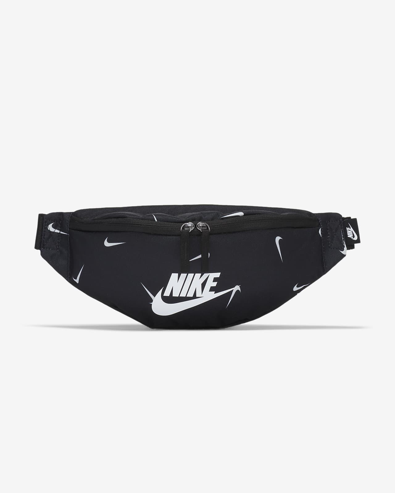 กระเป๋าคาดเอว Nike Heritage