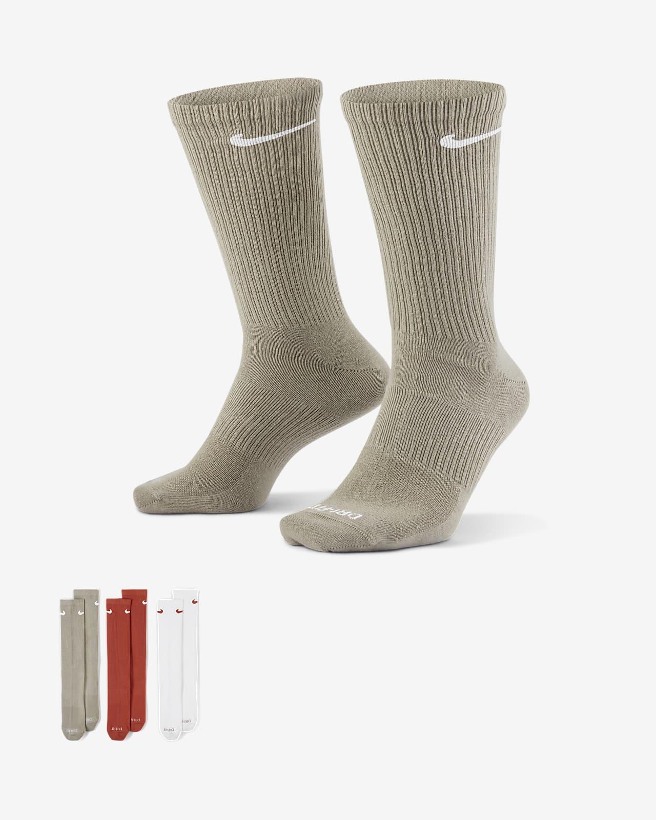 ถุงเท้าเทรนนิ่งข้อยาวผู้ชาย Nike Everyday Plus Lightweight (3 คู่)