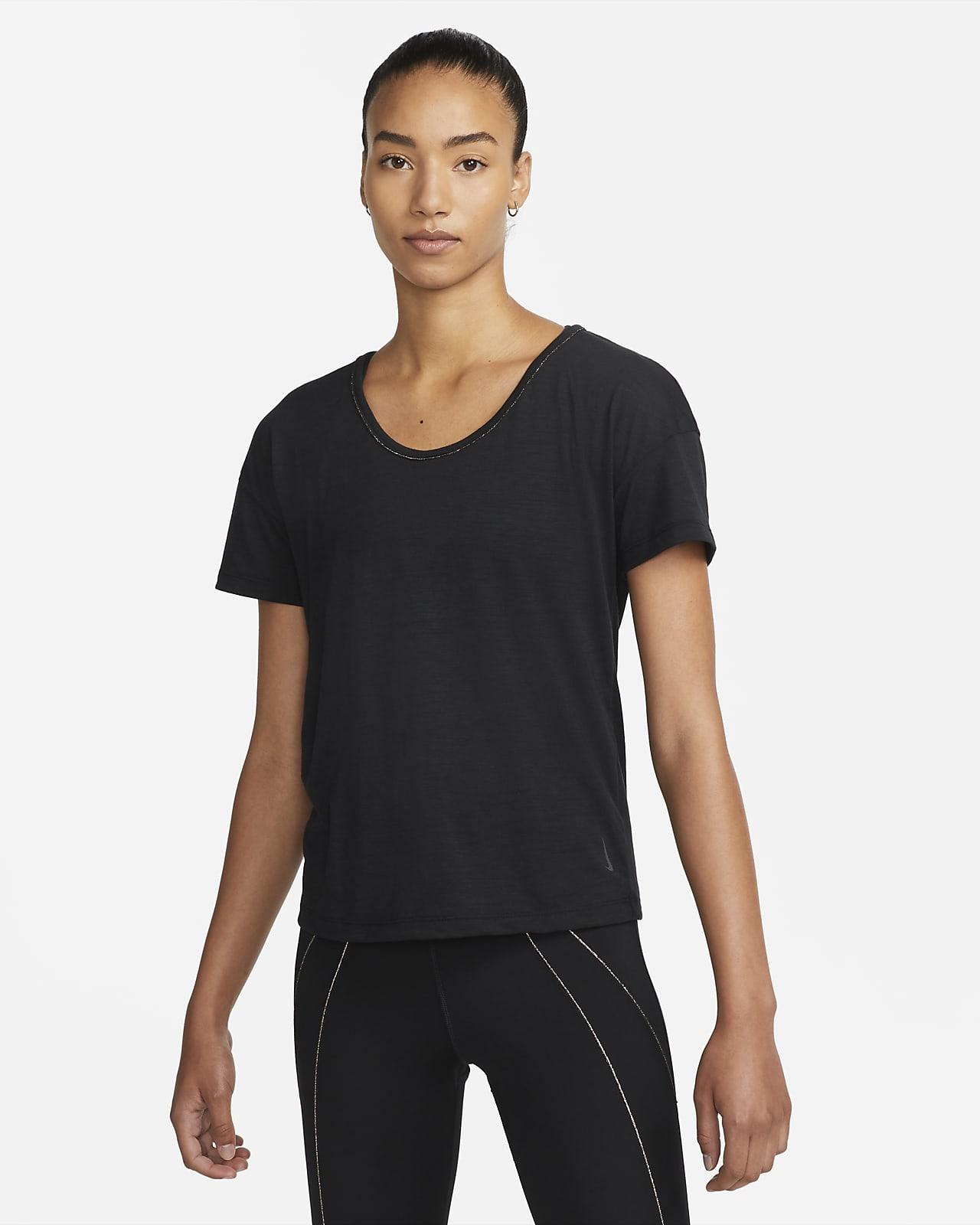 เสื้อวิ่งแขนสั้นแต่งขอบเมทัลลิกผู้หญิง Nike Yoga Dri-FIT