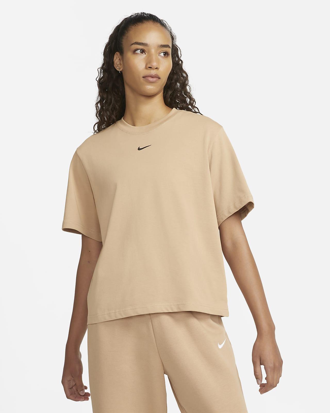 Nike Sportswear Essential 女款寬版 T 恤