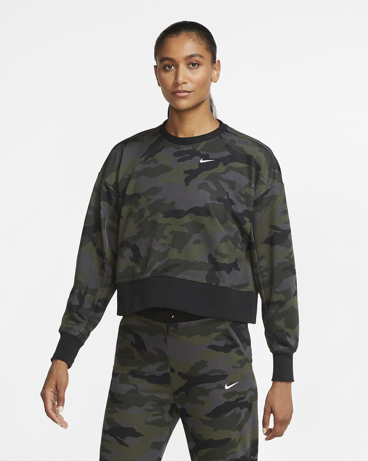 Nike Dri-FIT Get Fit Trainingsshirt met ronde hals en camouflageprint voor dames