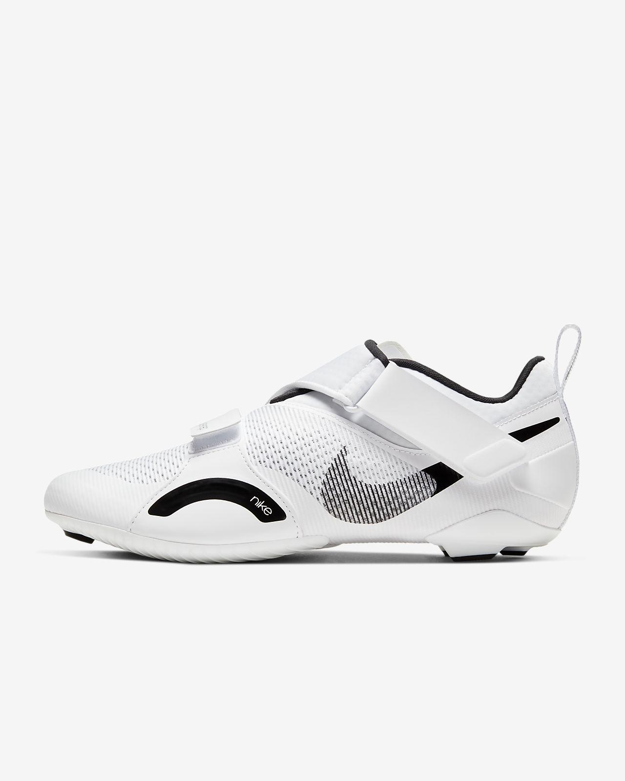 Soccer shoes for men in 2020 | Nike men, Nike, Shoes mens