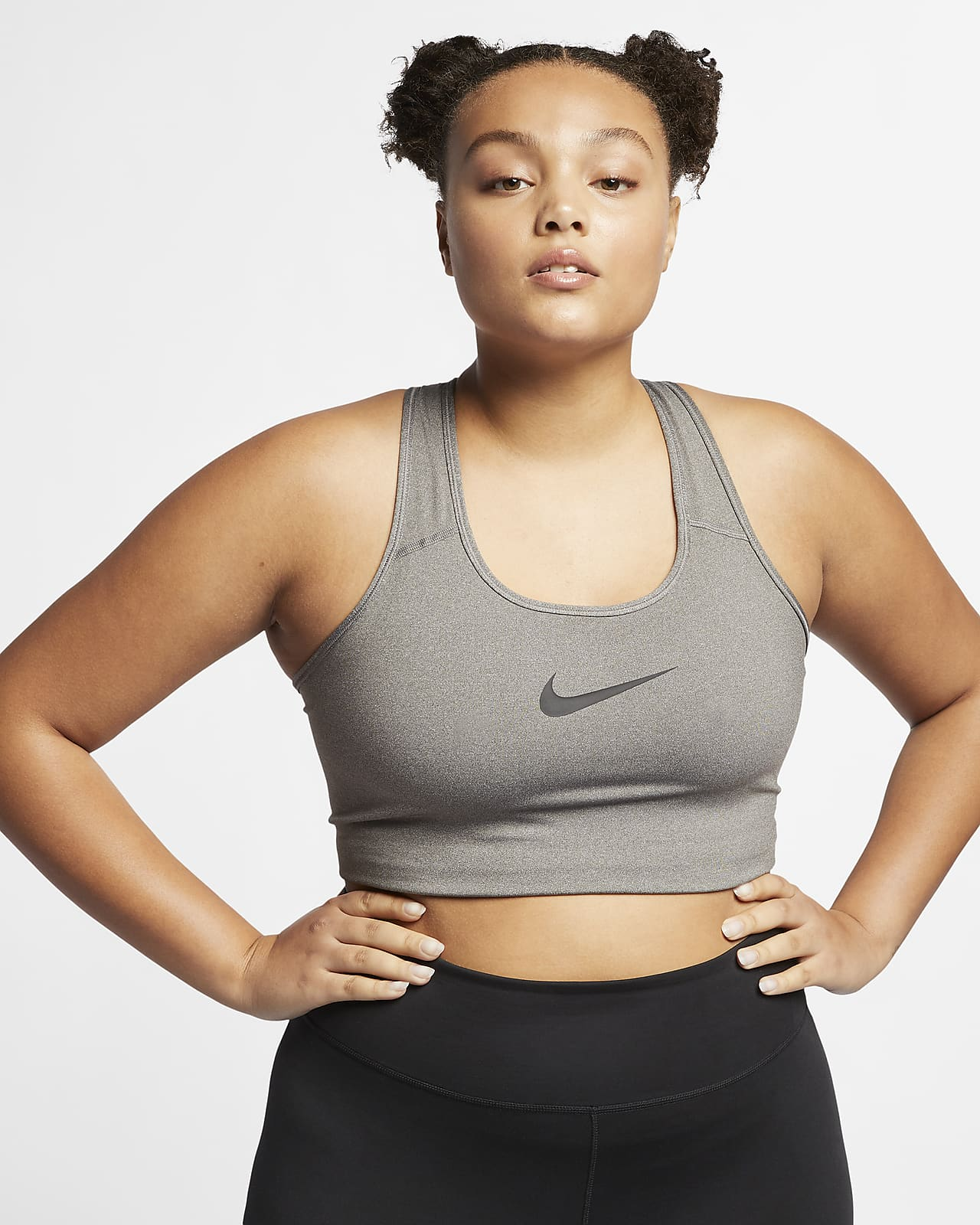 Bra deportivo talla grande sin acolchado de media sujeción para mujer Nike Swoosh
