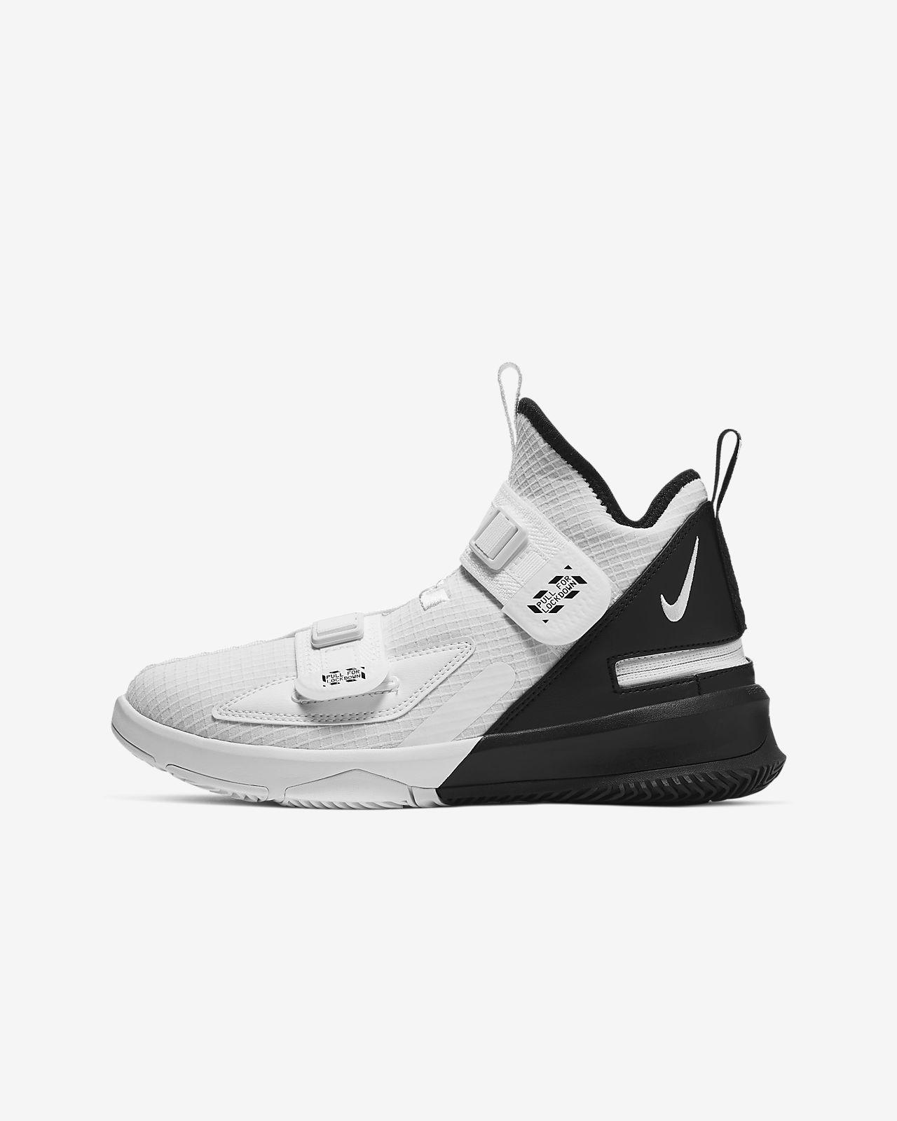 Chaussure de basketball LeBron Soldier 13 FlyEase pour Enfant plus âgé