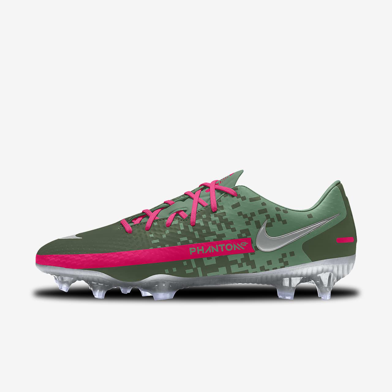 Personalizowane korki piłkarskie na różne typy nawierzchni Nike Phantom GT Academy By You