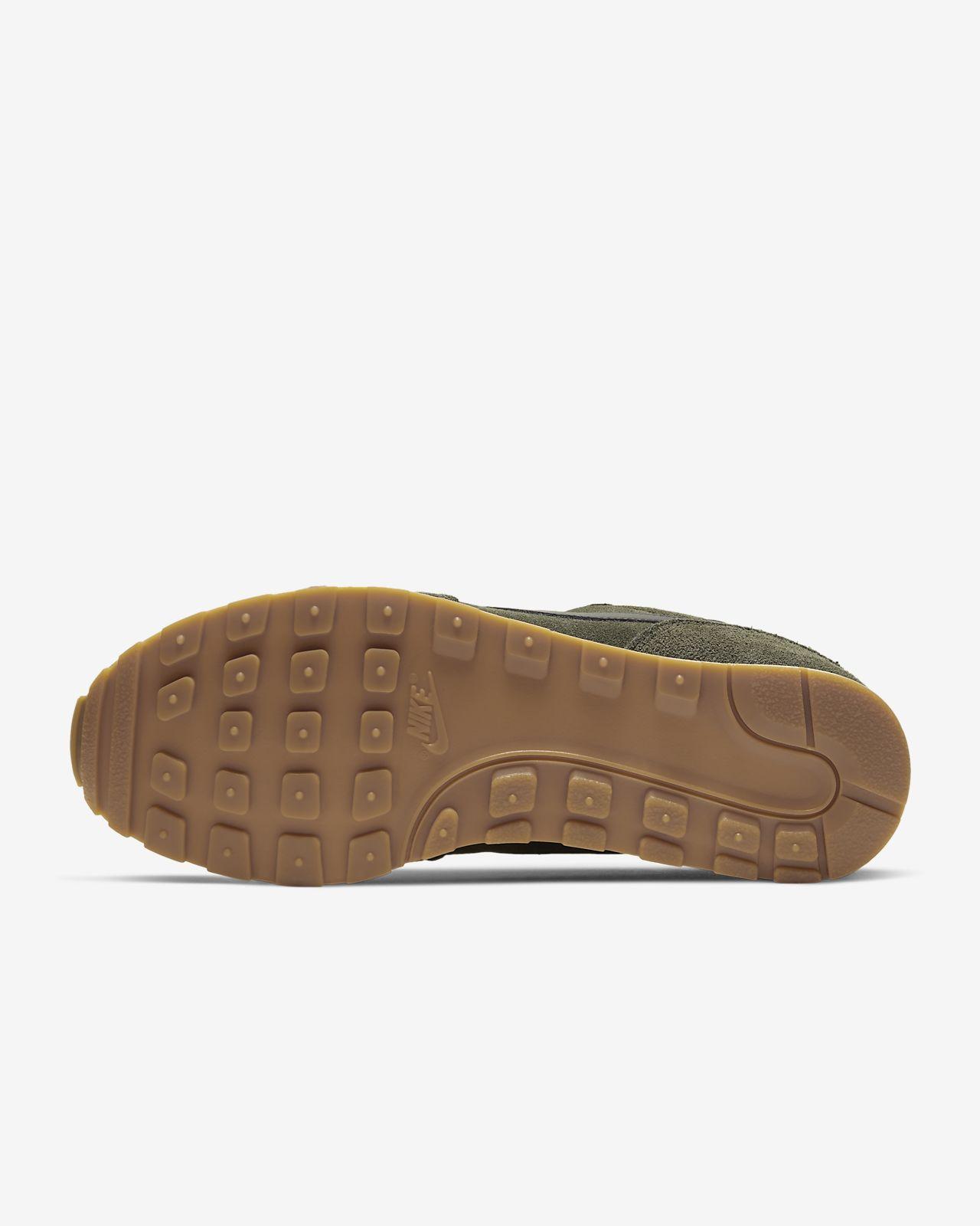 Nike MD Runner 2 Suede Men's Shoe. Nike LU